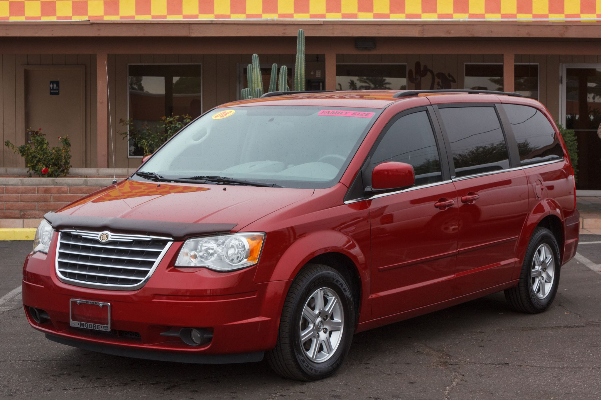 Photo of 2008 Chrysler Town & Country 4d Wagon Touring