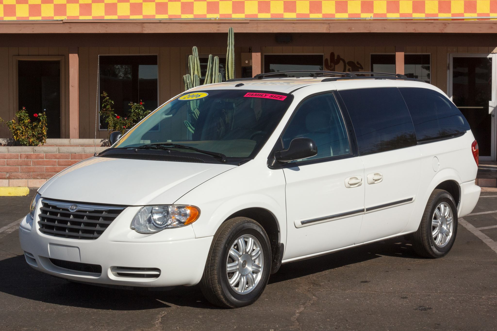 Photo of 2006 Chrysler Town & Country 4d Wagon Touring