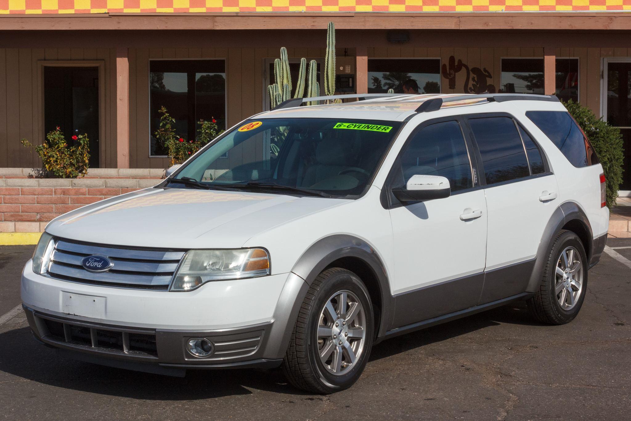 Photo of 2008 Ford Taurus X AWD 4d Wagon SEL