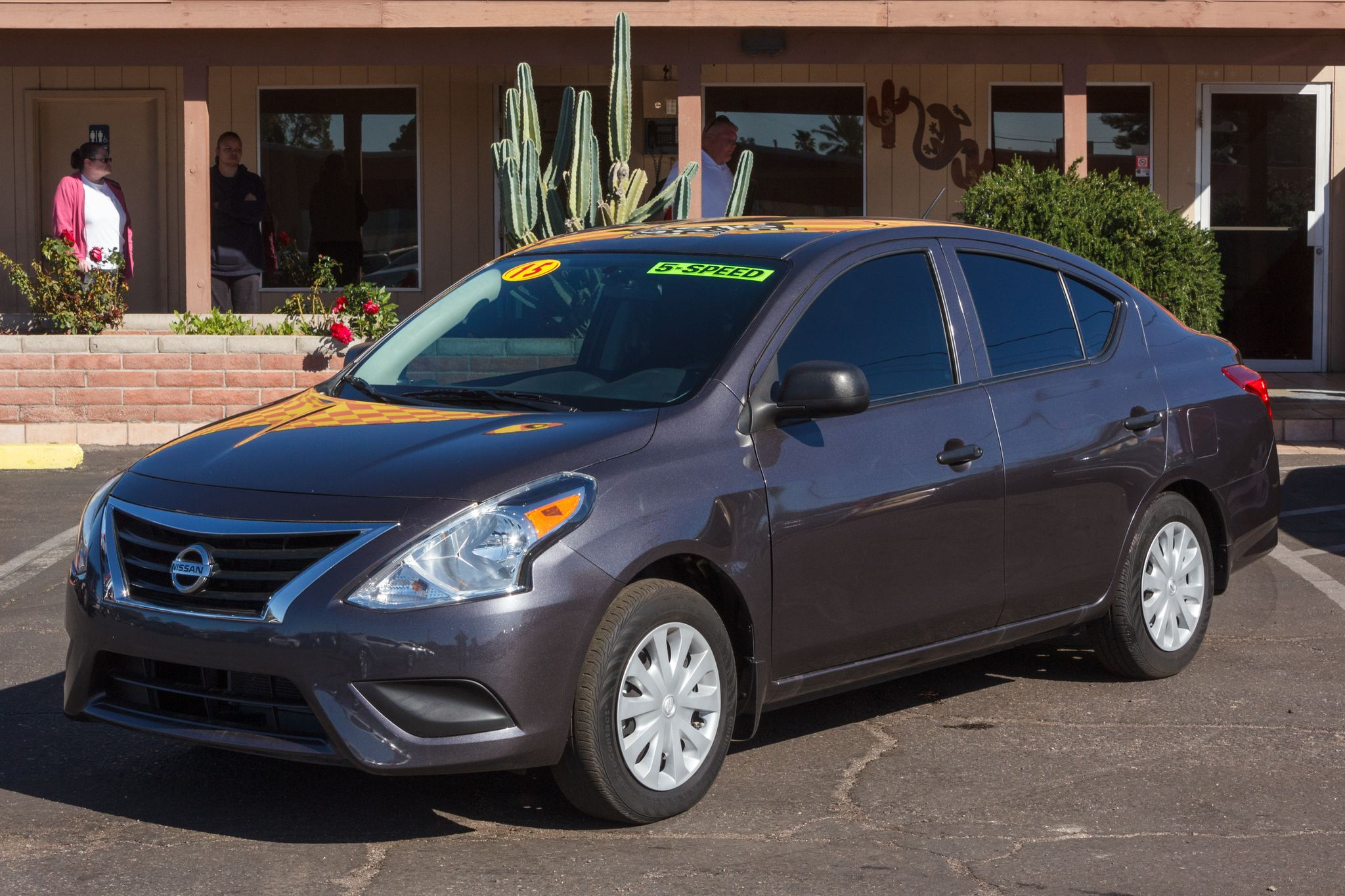 Photo of 2015 Nissan Versa 4d Sedan S 5spd