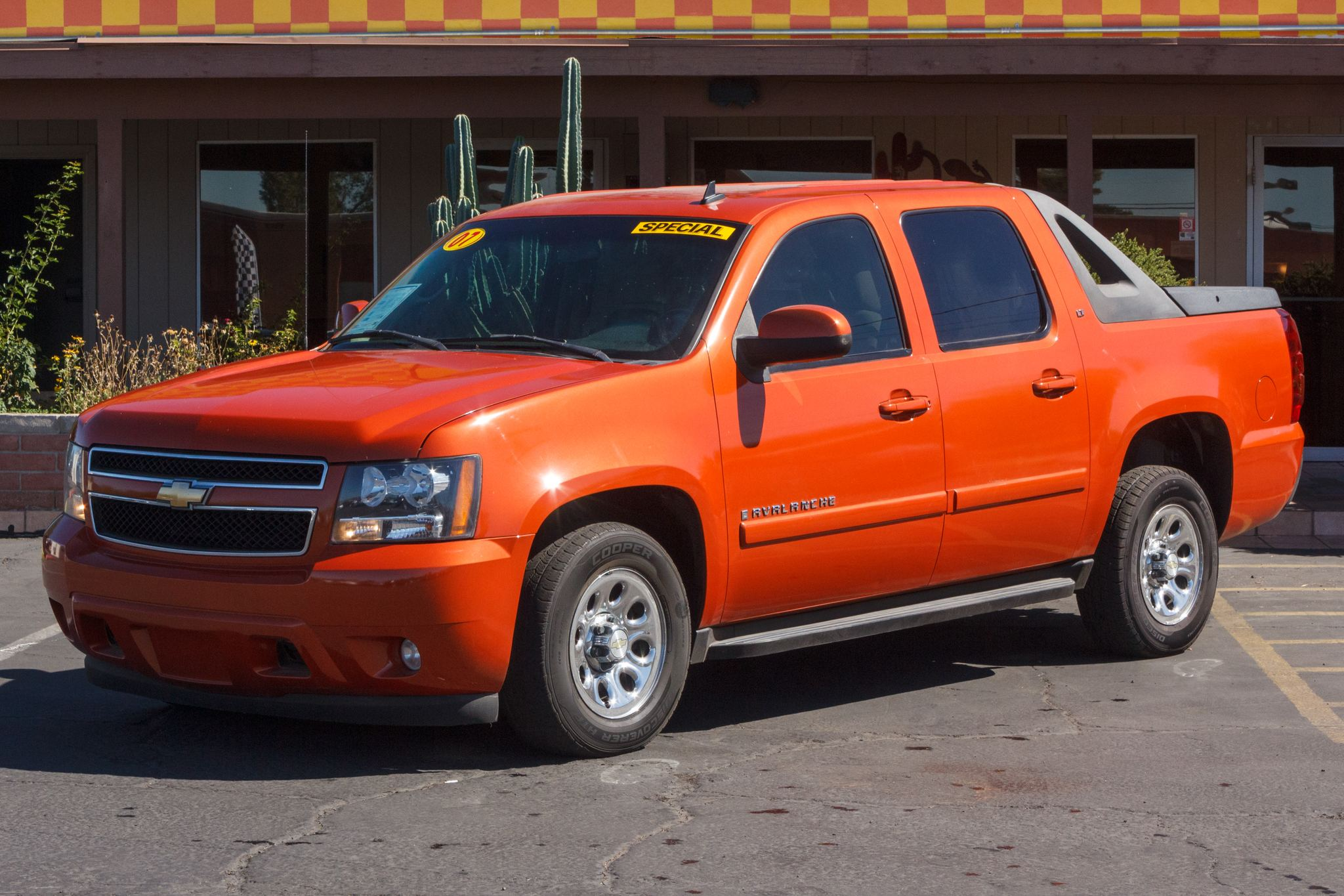 Photo of 2007 Chevrolet Avalanche 2WD 5d Crew Cab LT