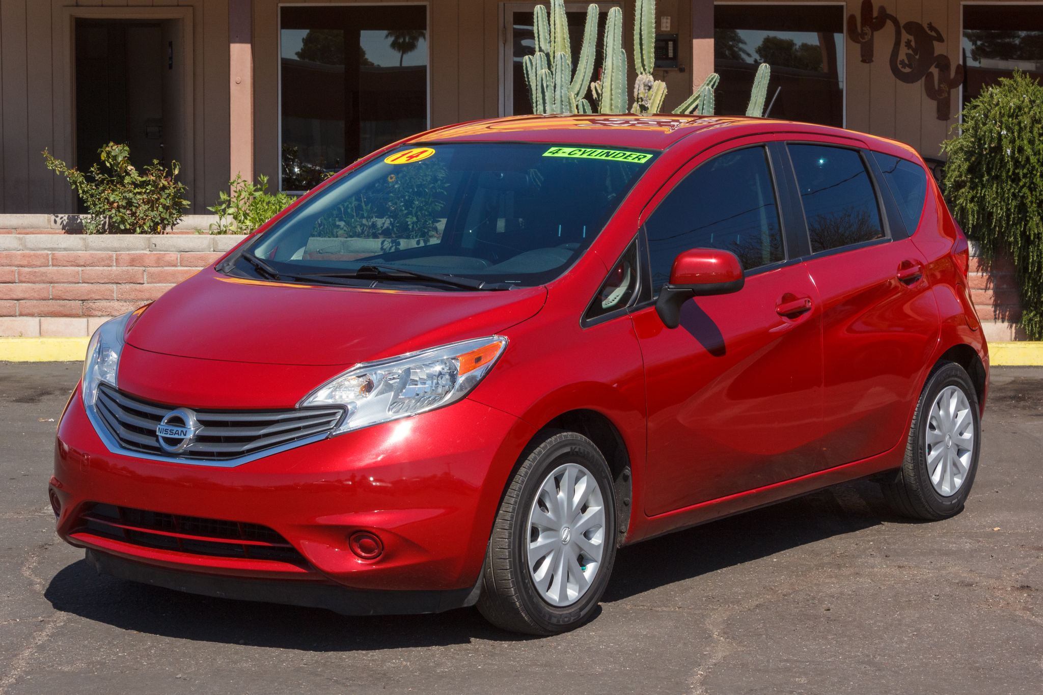 Photo of 2014 Nissan Versa Note 4d Hatchback SV