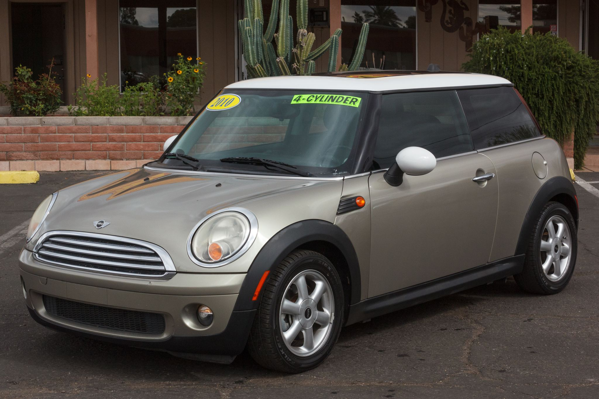 Photo of 2010 Mini Cooper Hardtop 2d Coupe