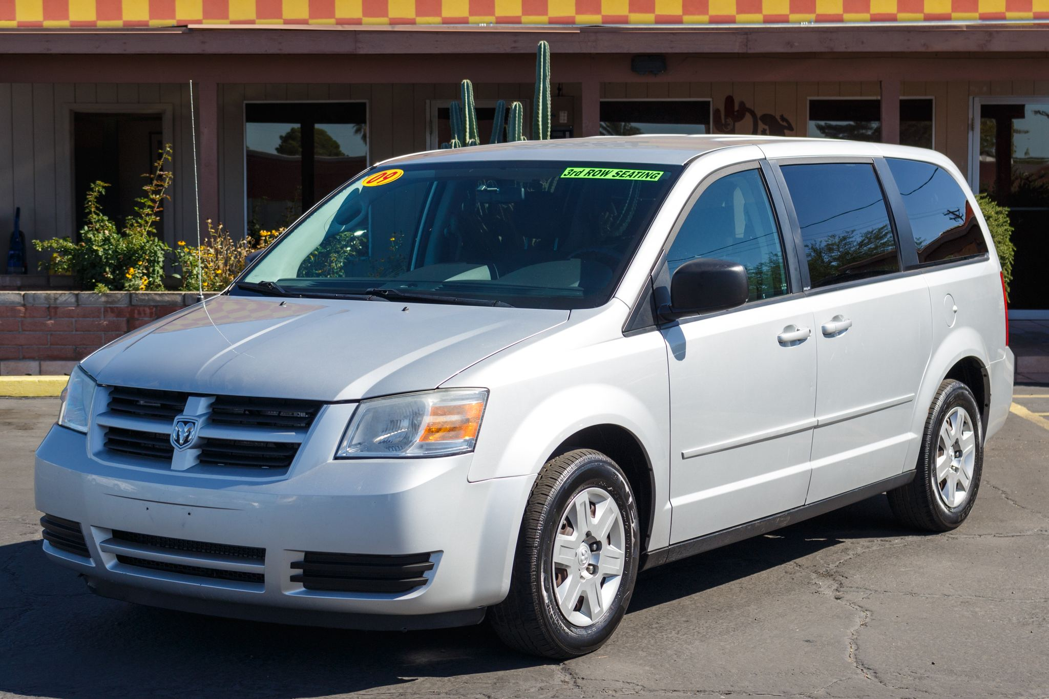 Photo of 2009 Dodge Grand Caravan 4d Wagon SE