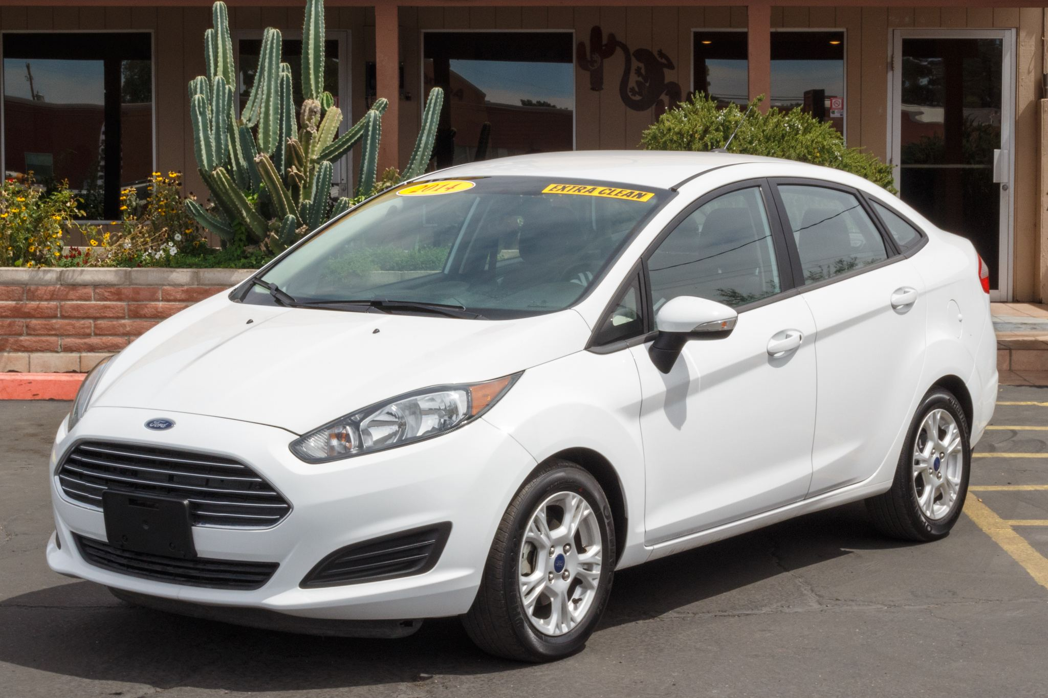 Photo of 2014 Ford Fiesta 4d Sedan SE