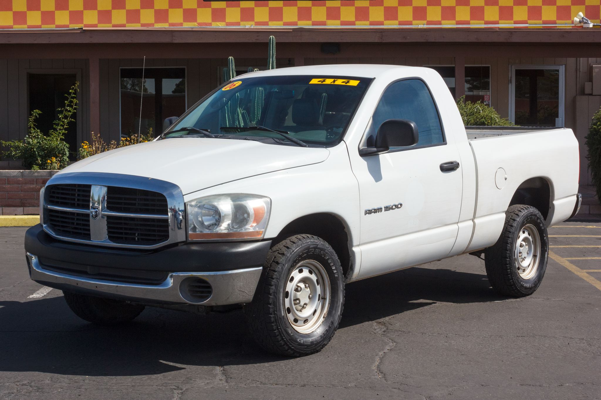 Photo of 2006 Dodge Ram 1500 4WD Reg Cab ST