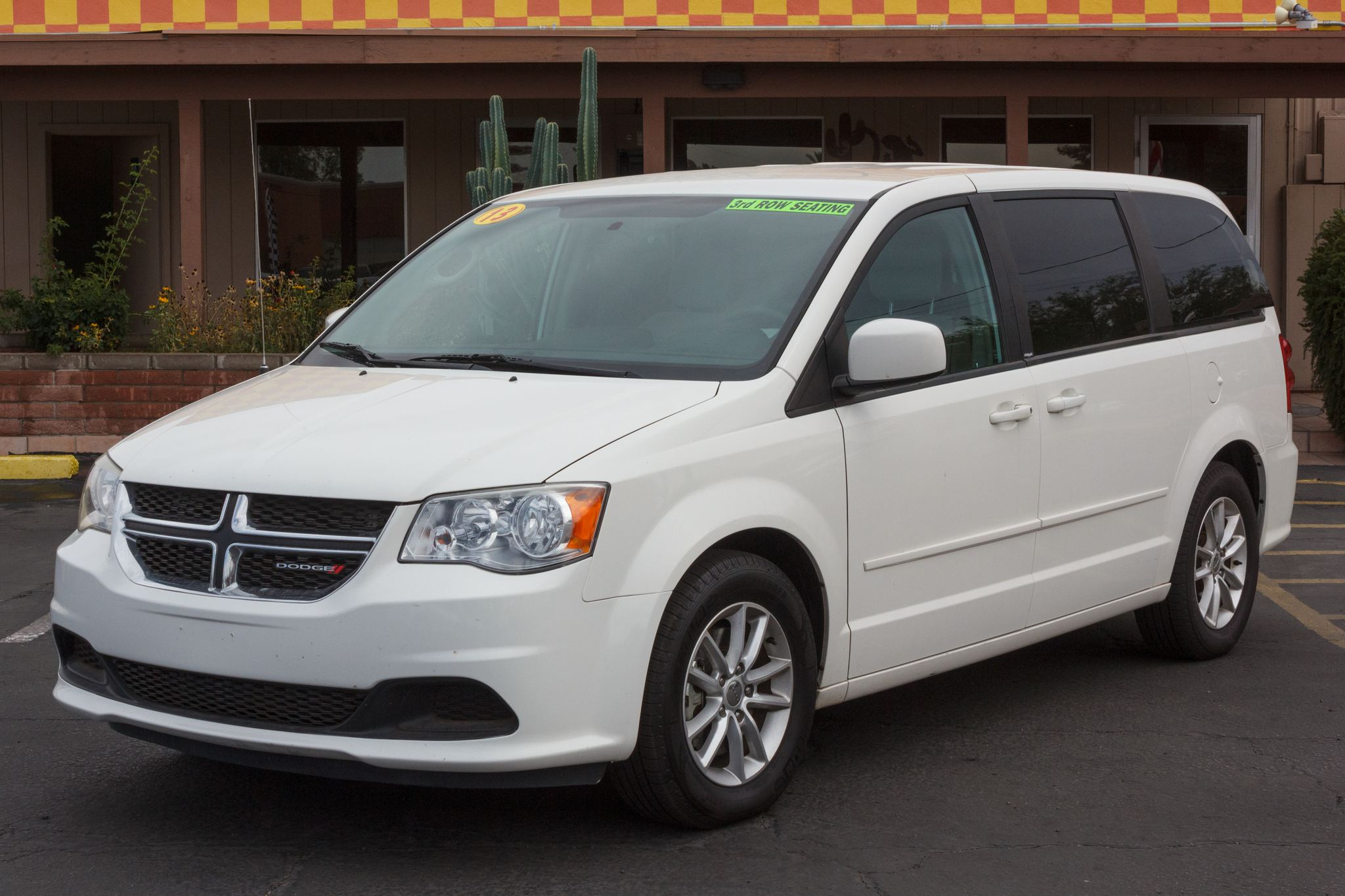 Photo of 2013 Dodge Grand Caravan 4d Wagon SXT