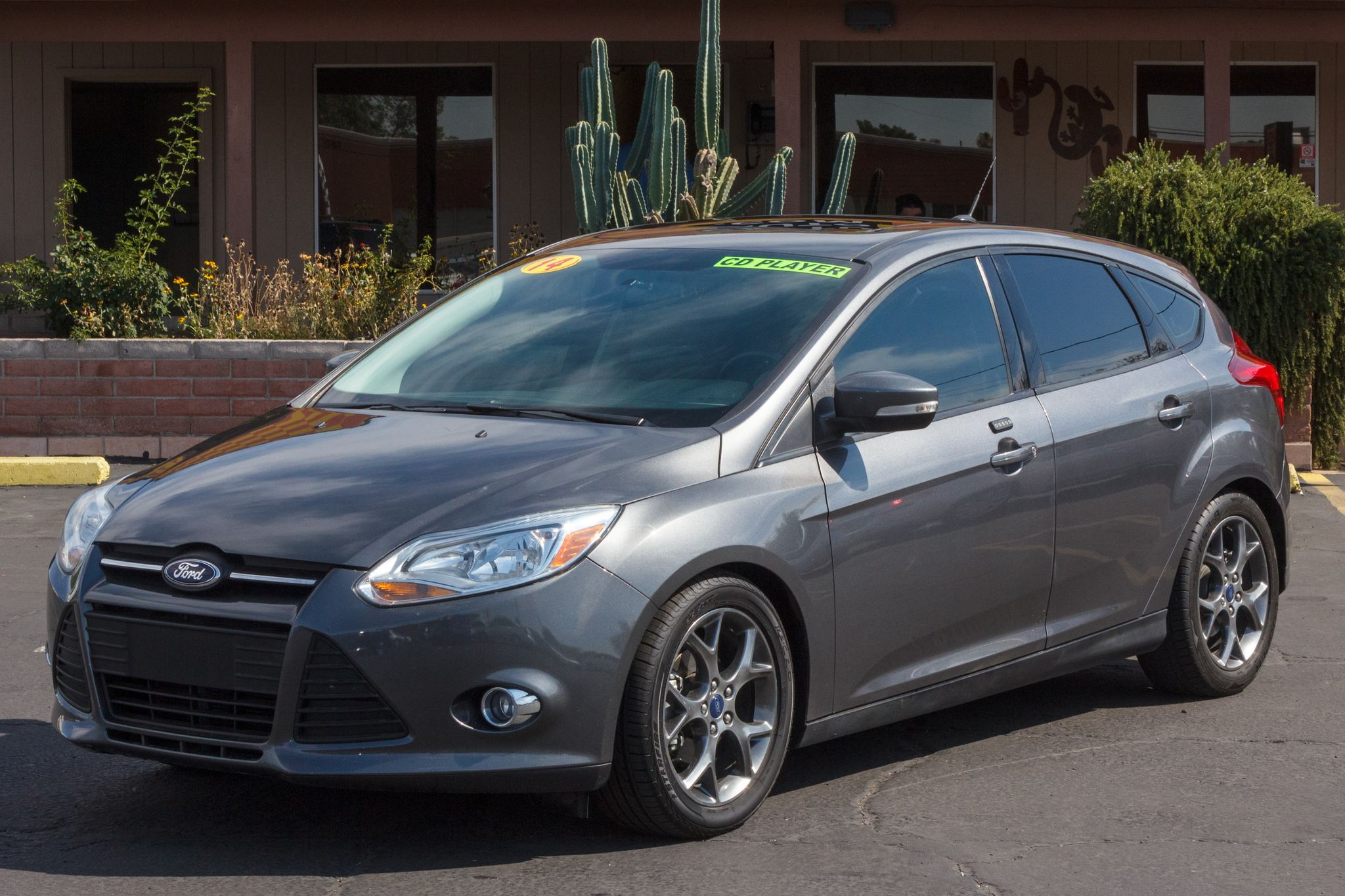 Photo of 2014 Ford Focus 4d Hatchback SE