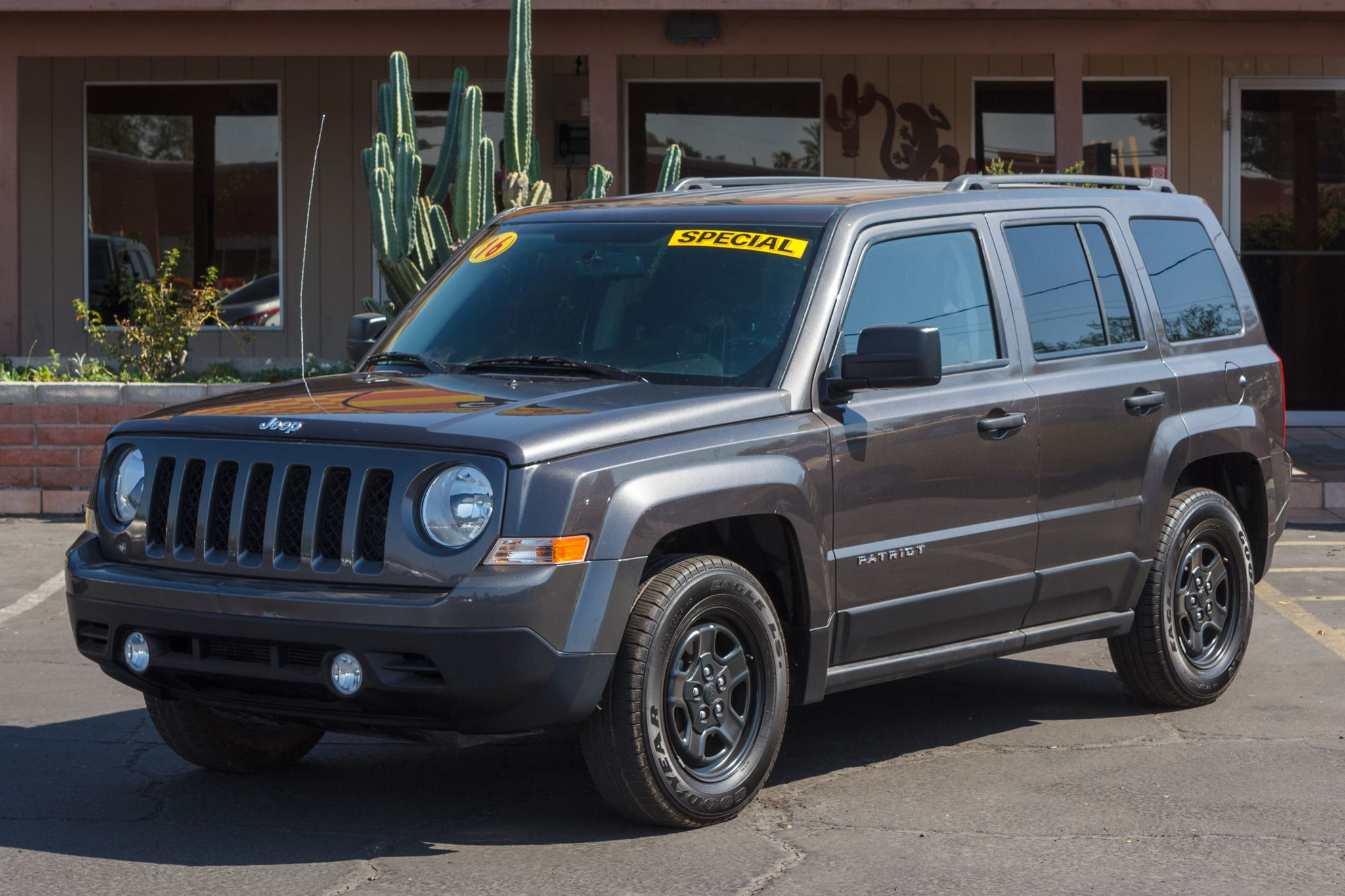 Photo of 2016 Jeep Patriot 4d SUV FWD Sport