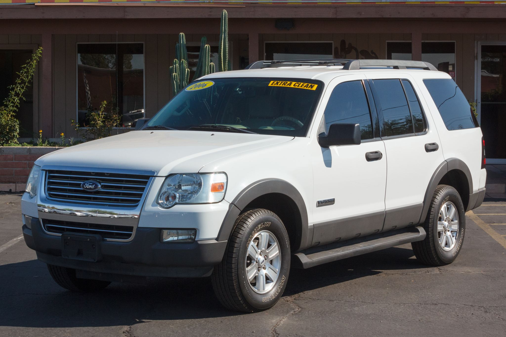 Photo of 2006 Ford Explorer 4d SUV 4WD XLT