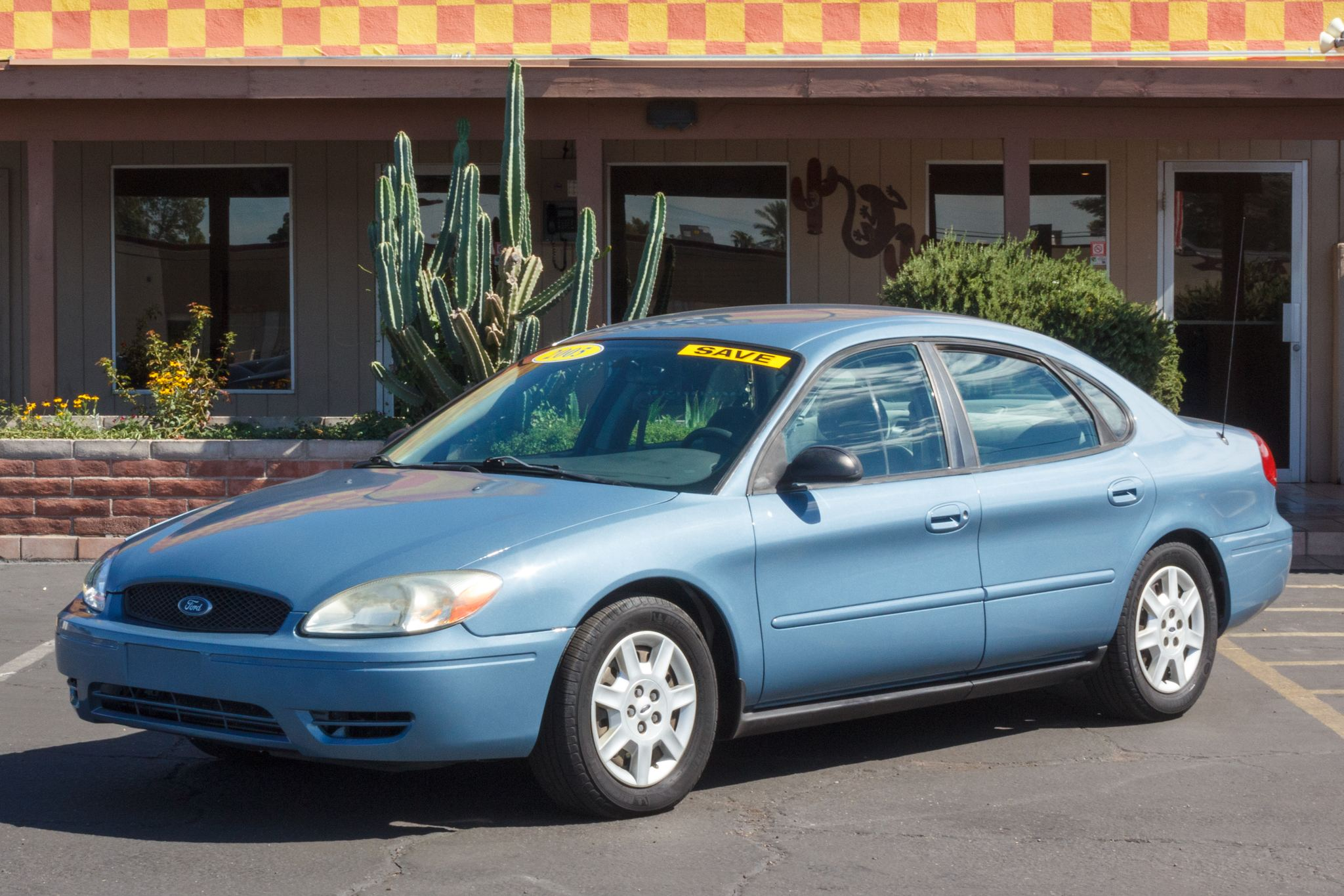 Photo of 2005 Ford Taurus 4d Sedan SE