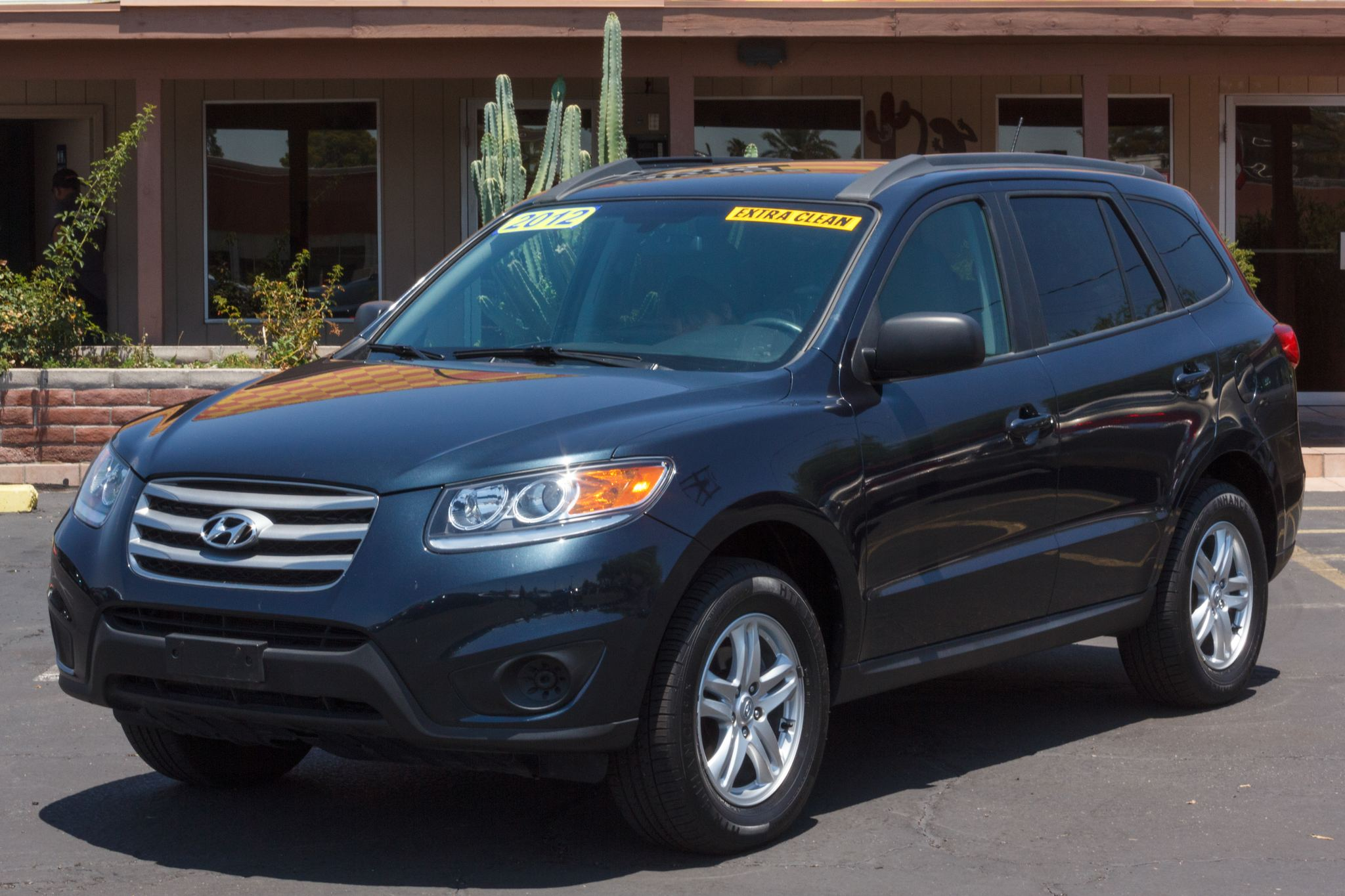 Photo of 2012 Hyundai Santa Fe 5d Wagon AWD GLS
