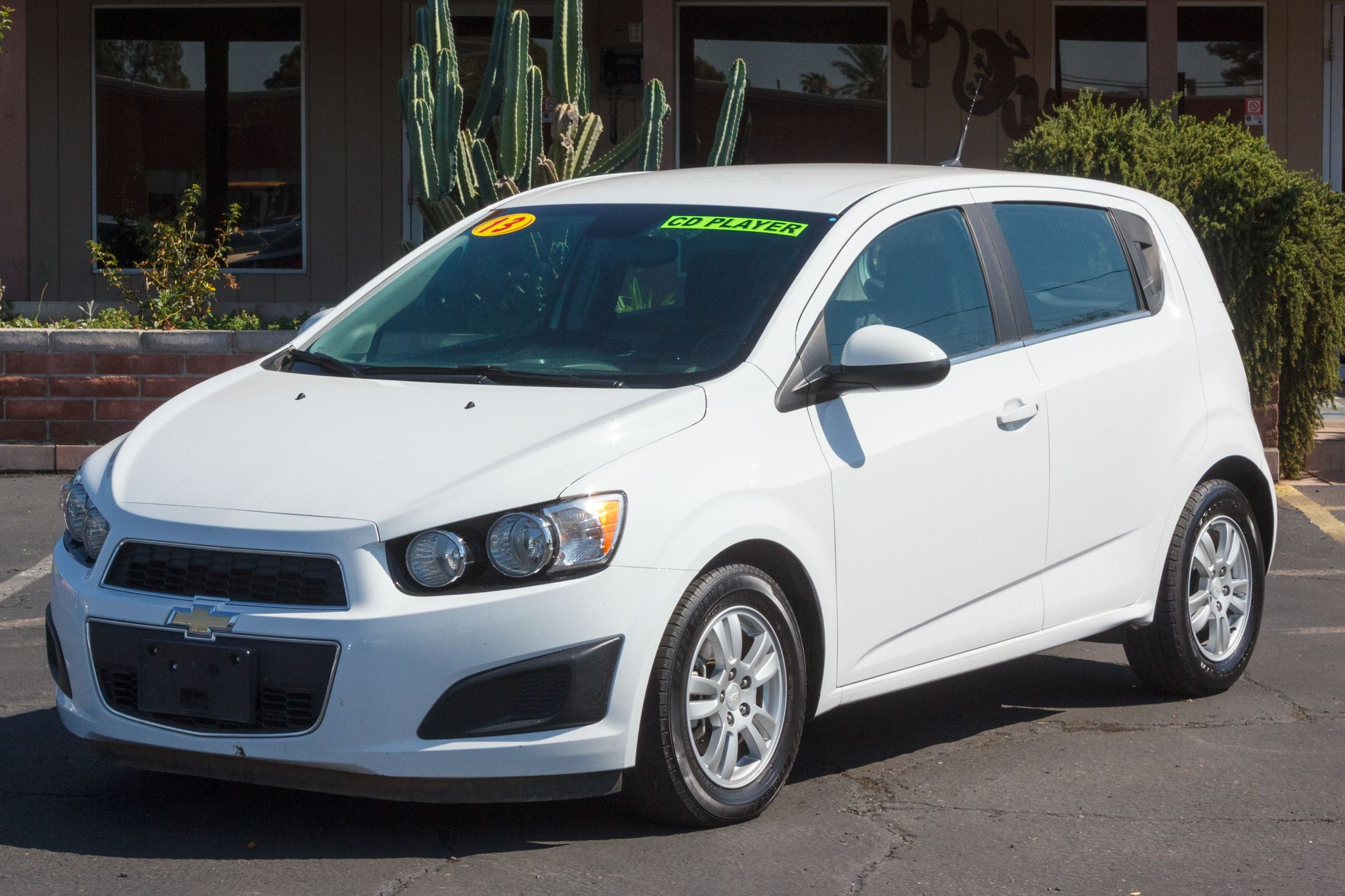 Photo of 2013 Chevrolet Sonic 4d Hatchback LT AT