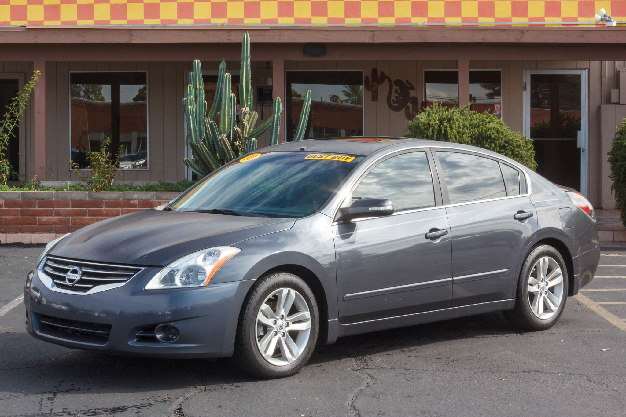 Photo of 2010 Nissan Altima 4d Sedan SR