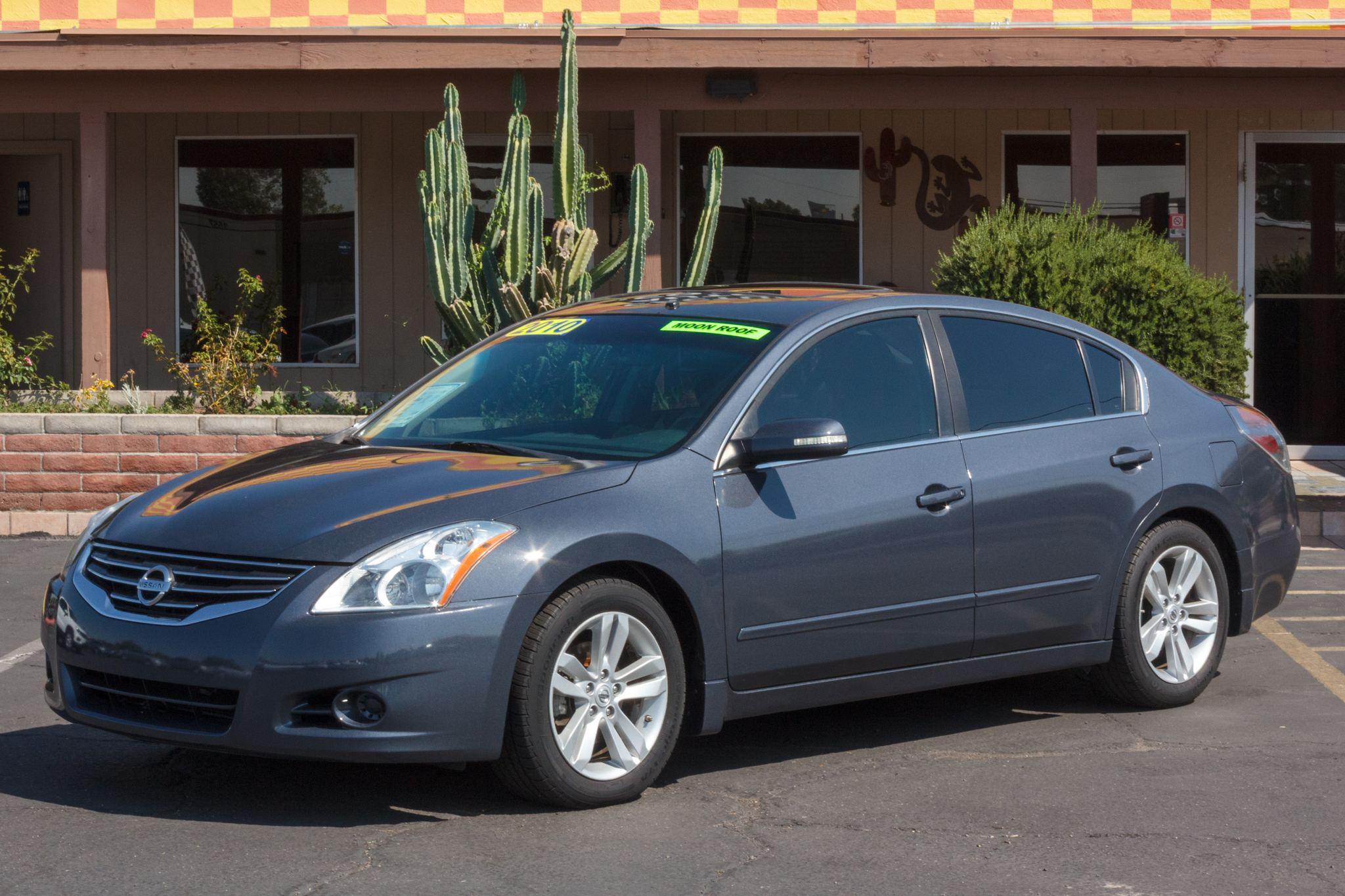 Photo of 2010 Nissan Altima 4d Sedan SR