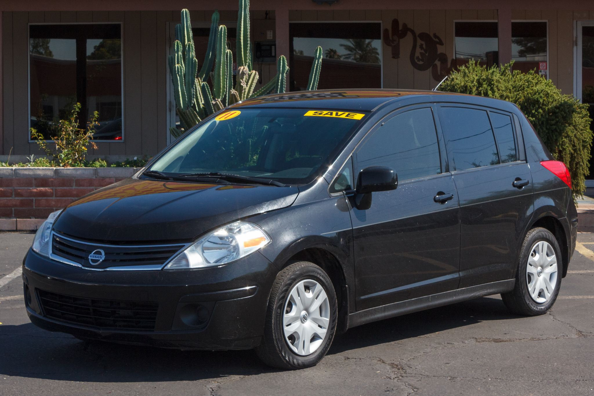 Photo of 2011 Nissan Versa 4d Hatchback S Auto