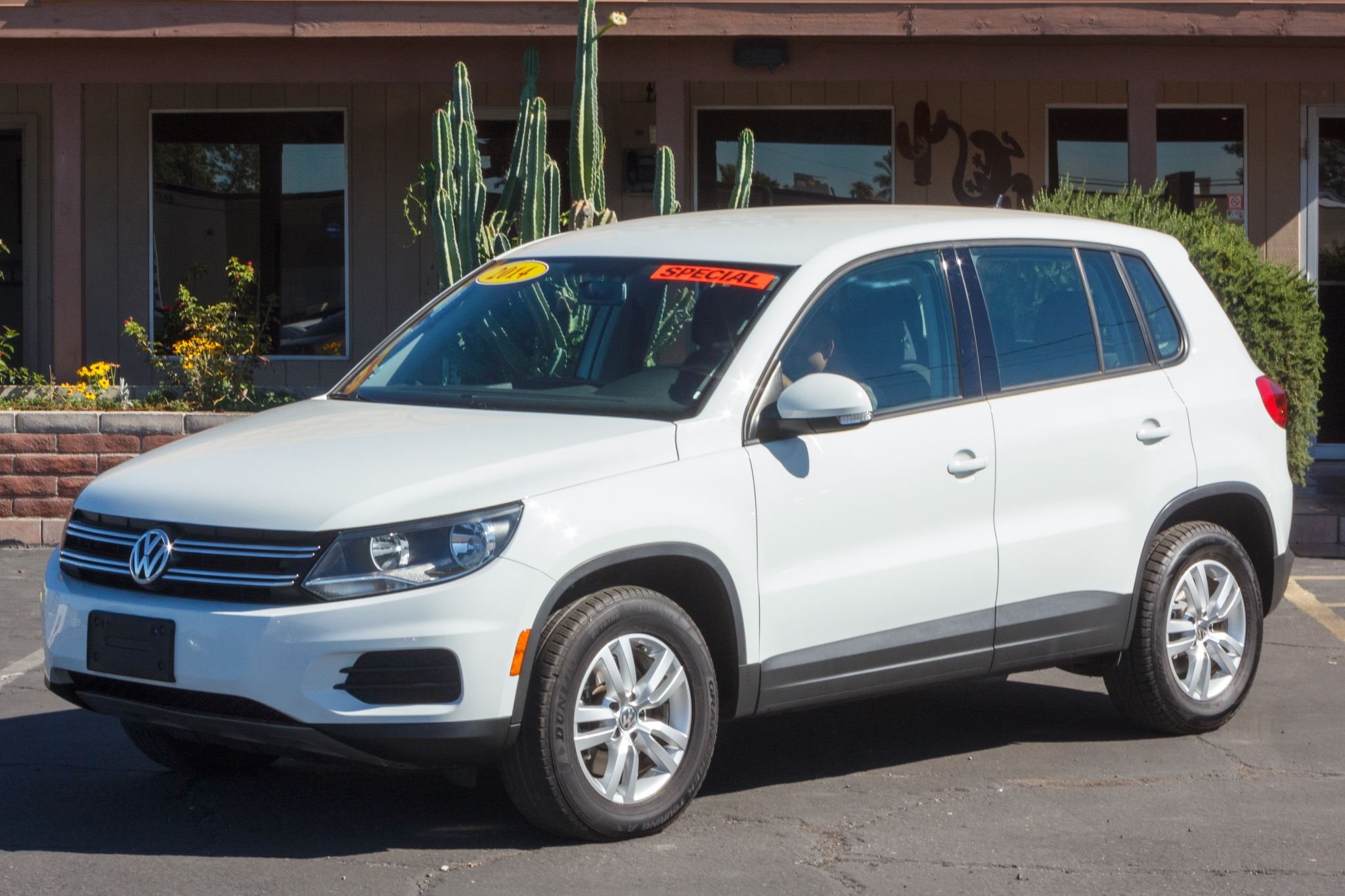 Photo of 2014 Volkswagen Tiguan 4d SUV S Auto