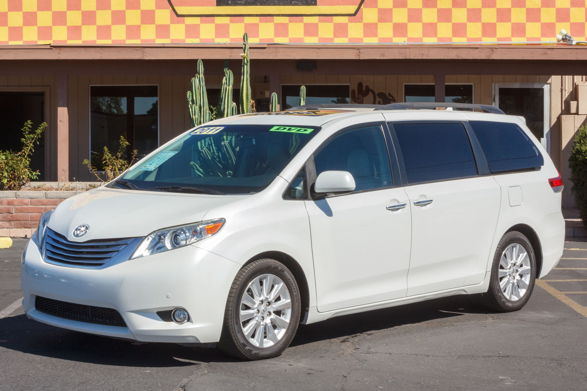 Photo of 2011 Toyota Sienna 4d Wagon Limited