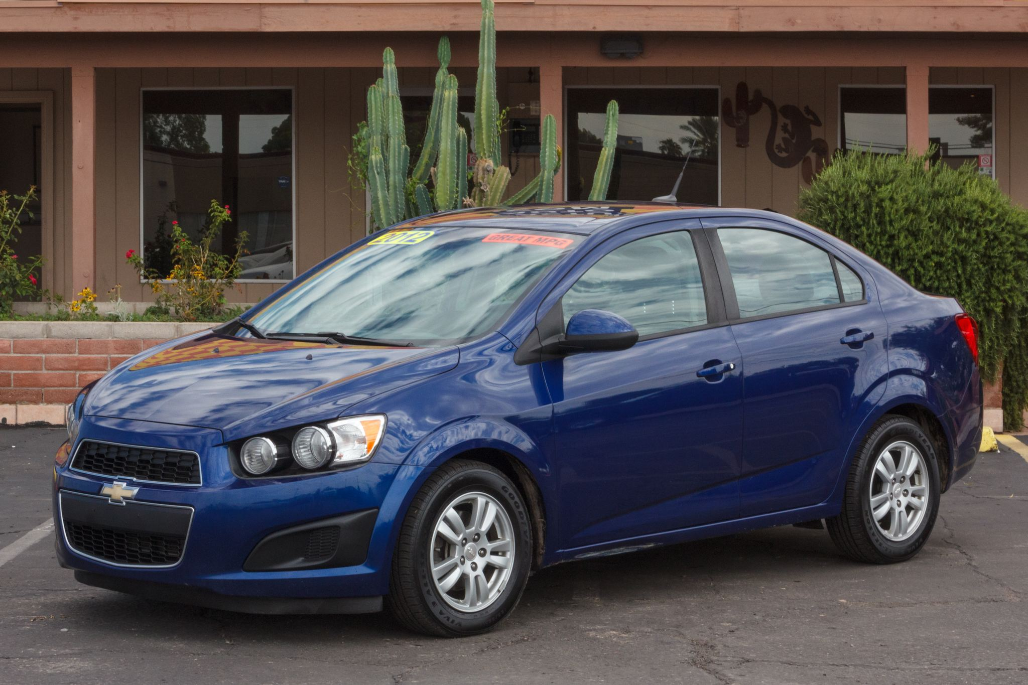 Photo of 2012 Chevrolet Sonic 4d Sedan LS2
