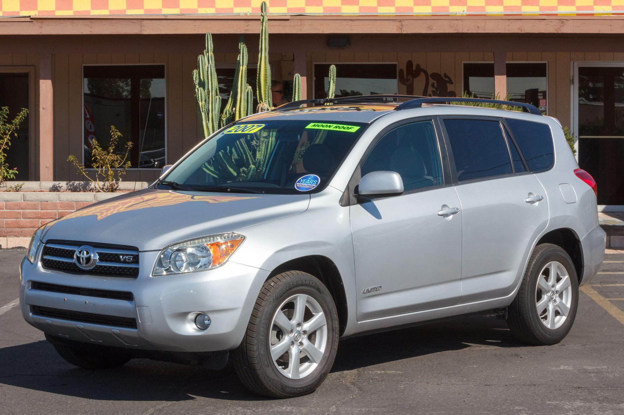 Photo of 2007 Toyota RAV4 4d SUV FWD Limited (V6)