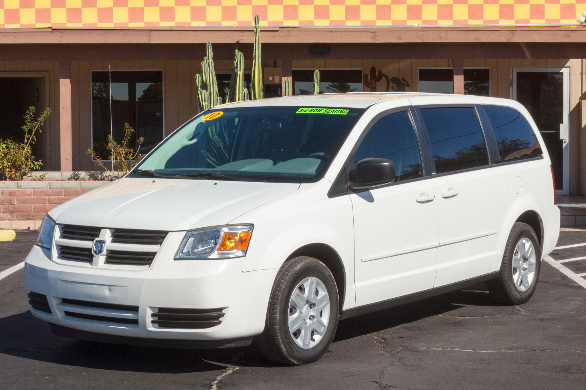 Photo of 2010 Dodge Grand Caravan 4d Wagon SE