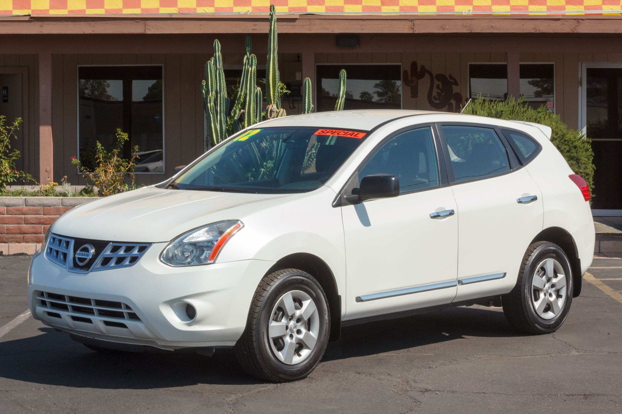 Photo of 2012 Nissan Rogue 4d SUV AWD S