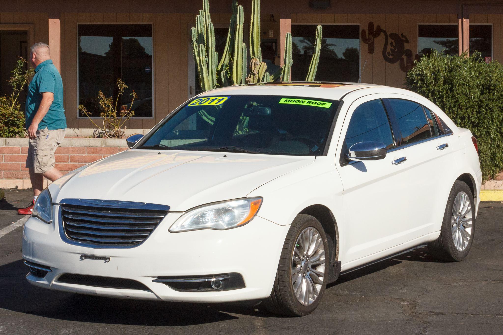 Photo of 2011 Chrysler 200 4d Sedan Limited