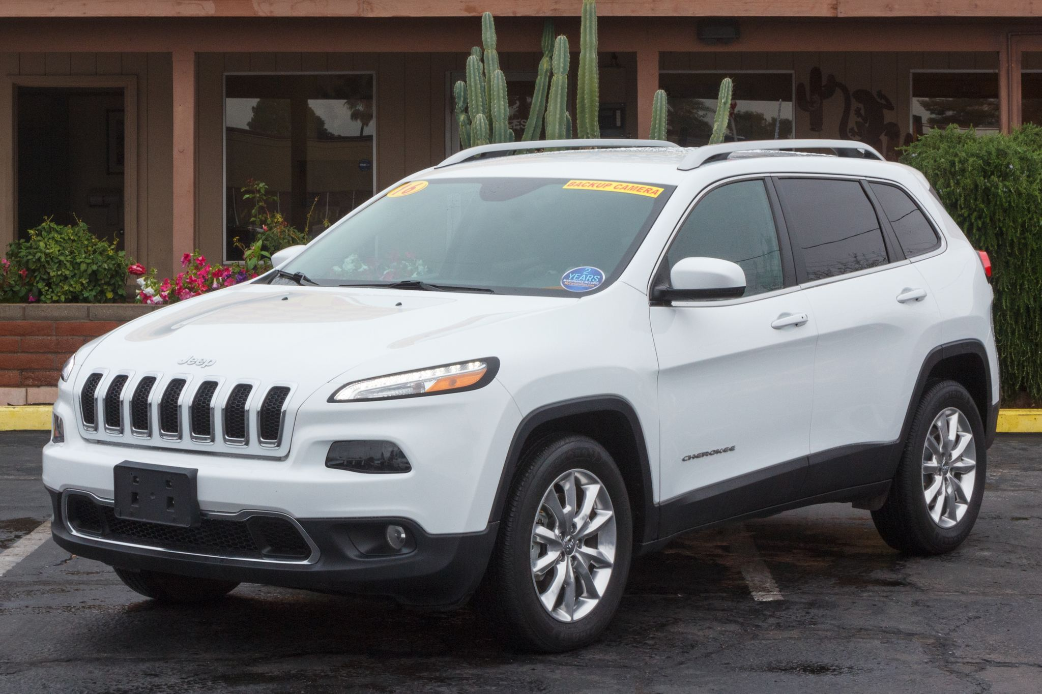 Photo of 2016 Jeep Cherokee 4d SUV 4WD Limited