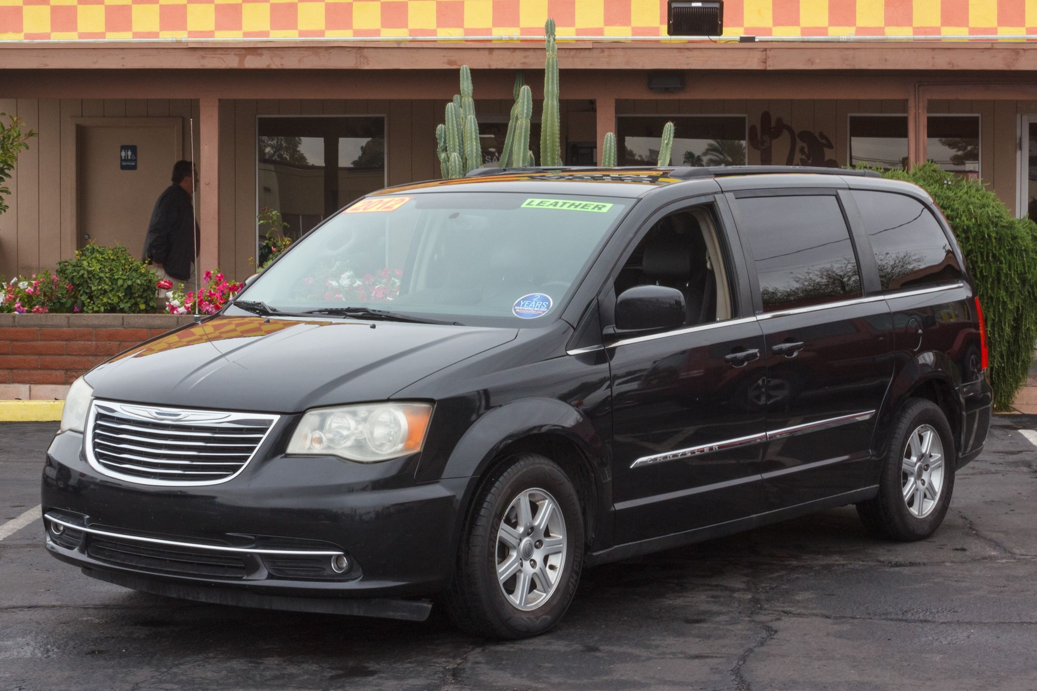 Photo of 2012 Chrysler Town & Country 4d Wagon Touring