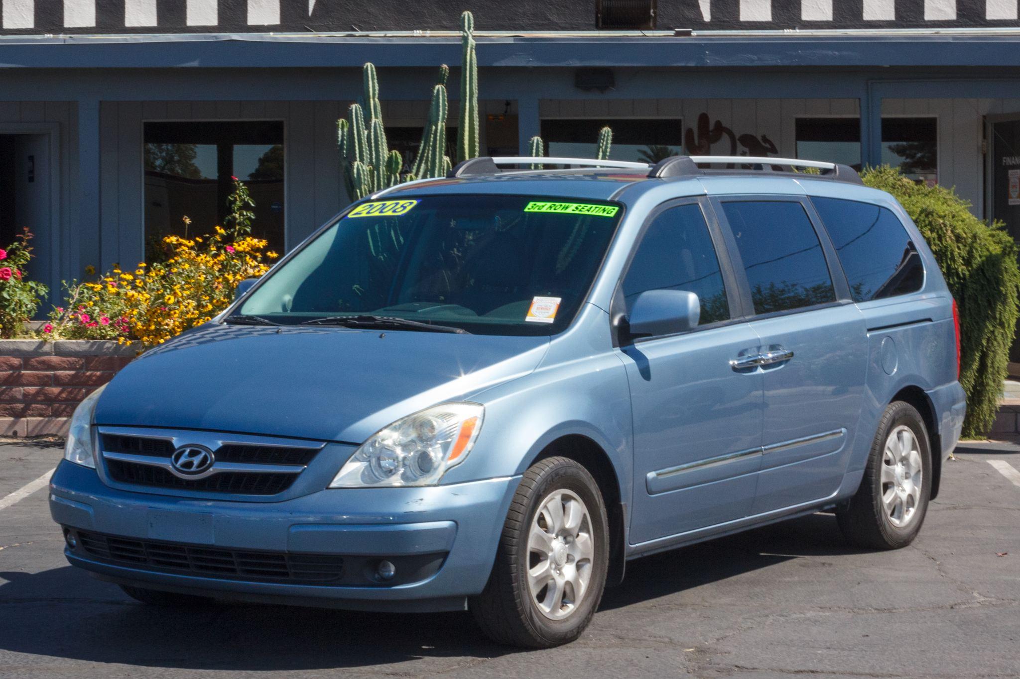 Photo of 2008 Hyundai Entourage 5d Wagon Limited