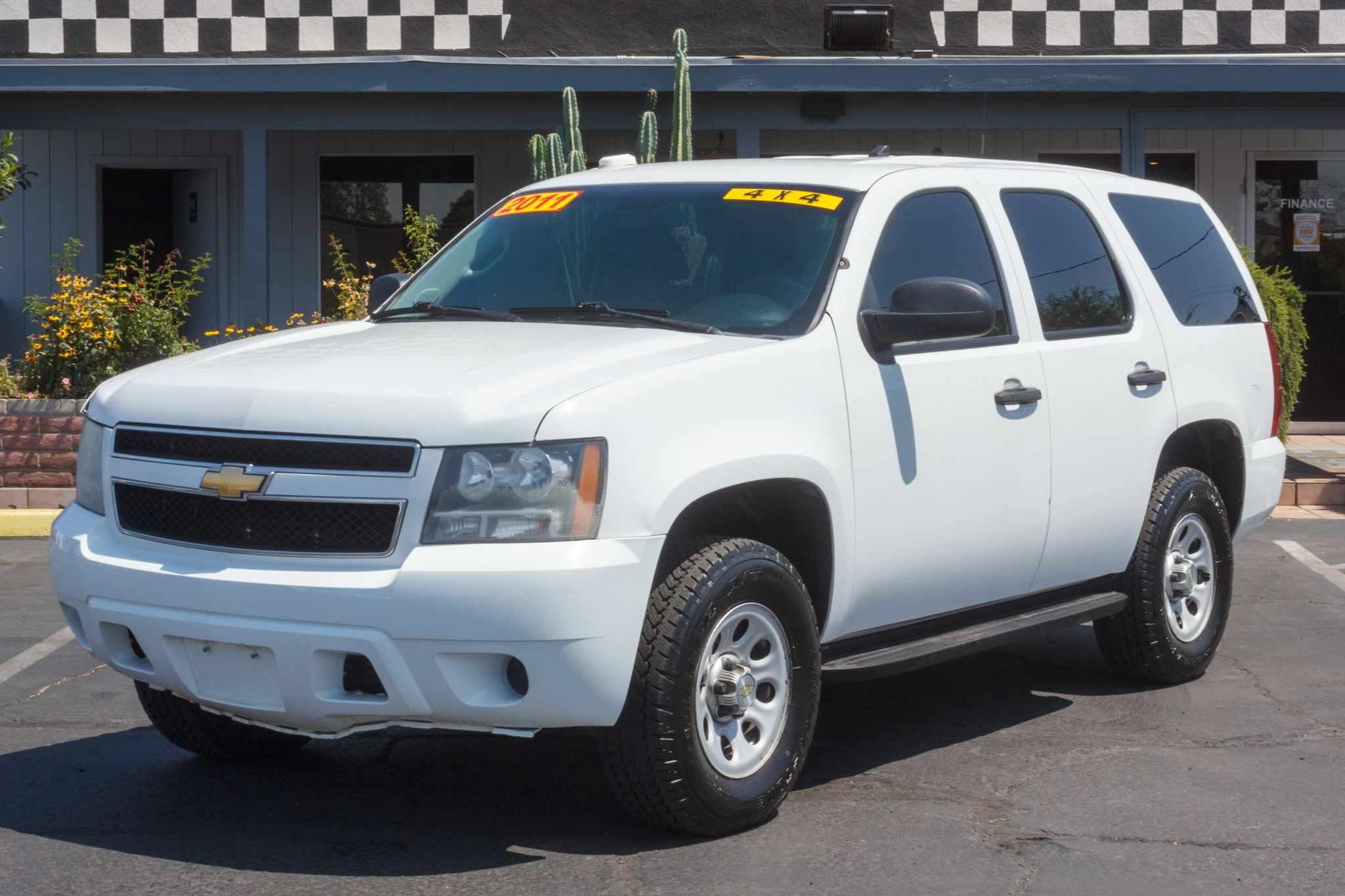 Photo of 2011 Chevrolet Tahoe 4d SUV 4WD Special Services