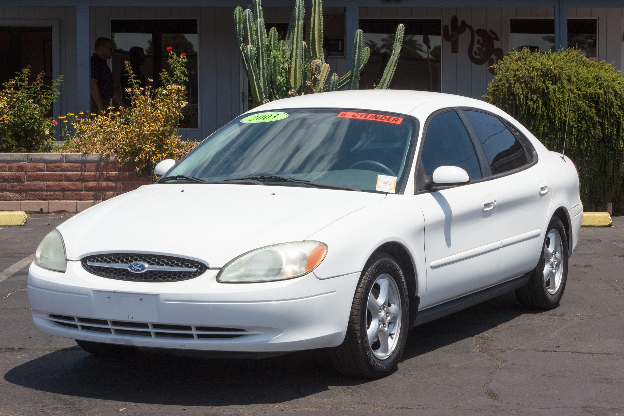 Photo of 2003 Ford Taurus 4d Sedan SE