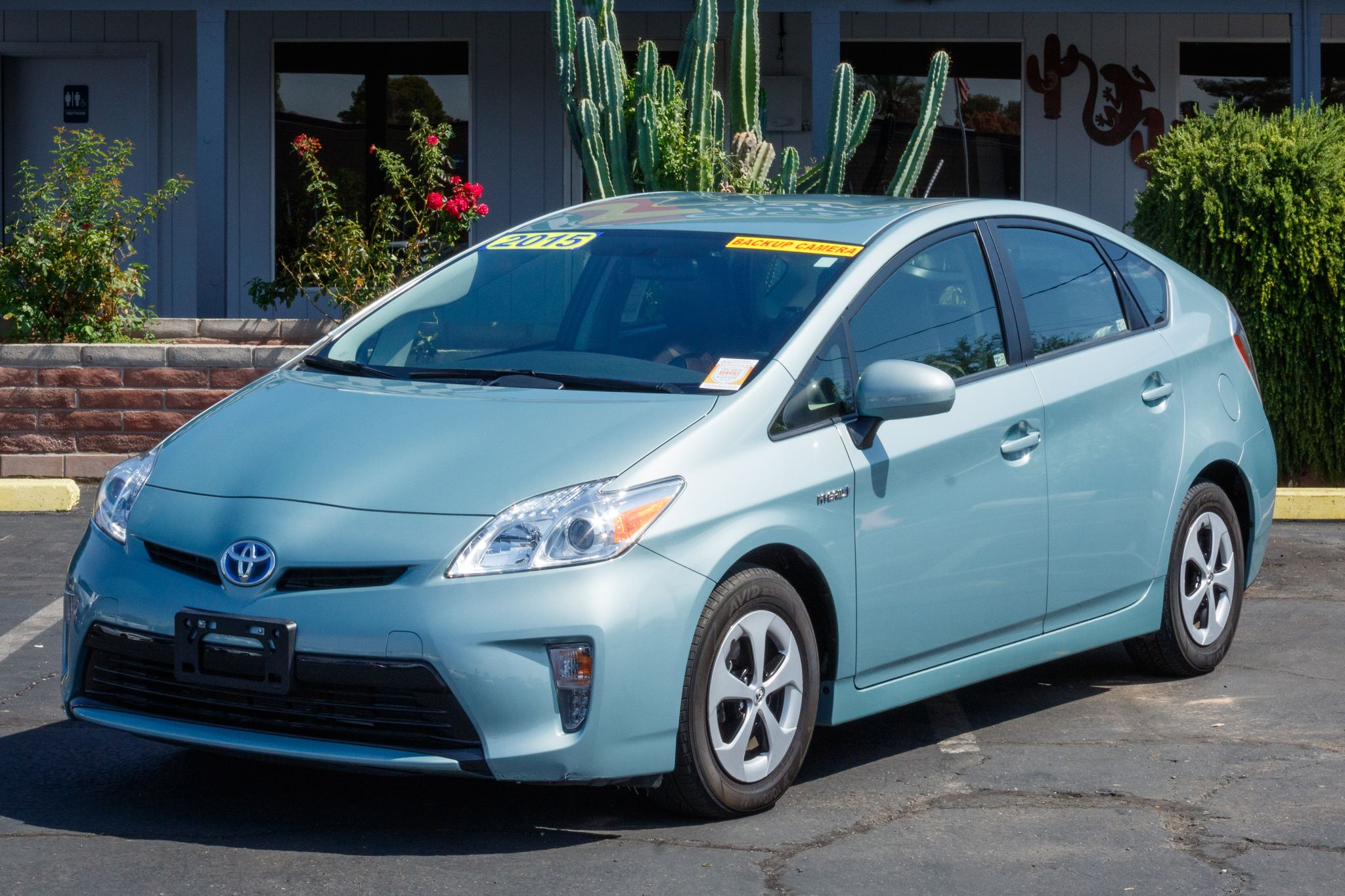 Photo of 2015 Toyota Prius 5d Hatchback Four