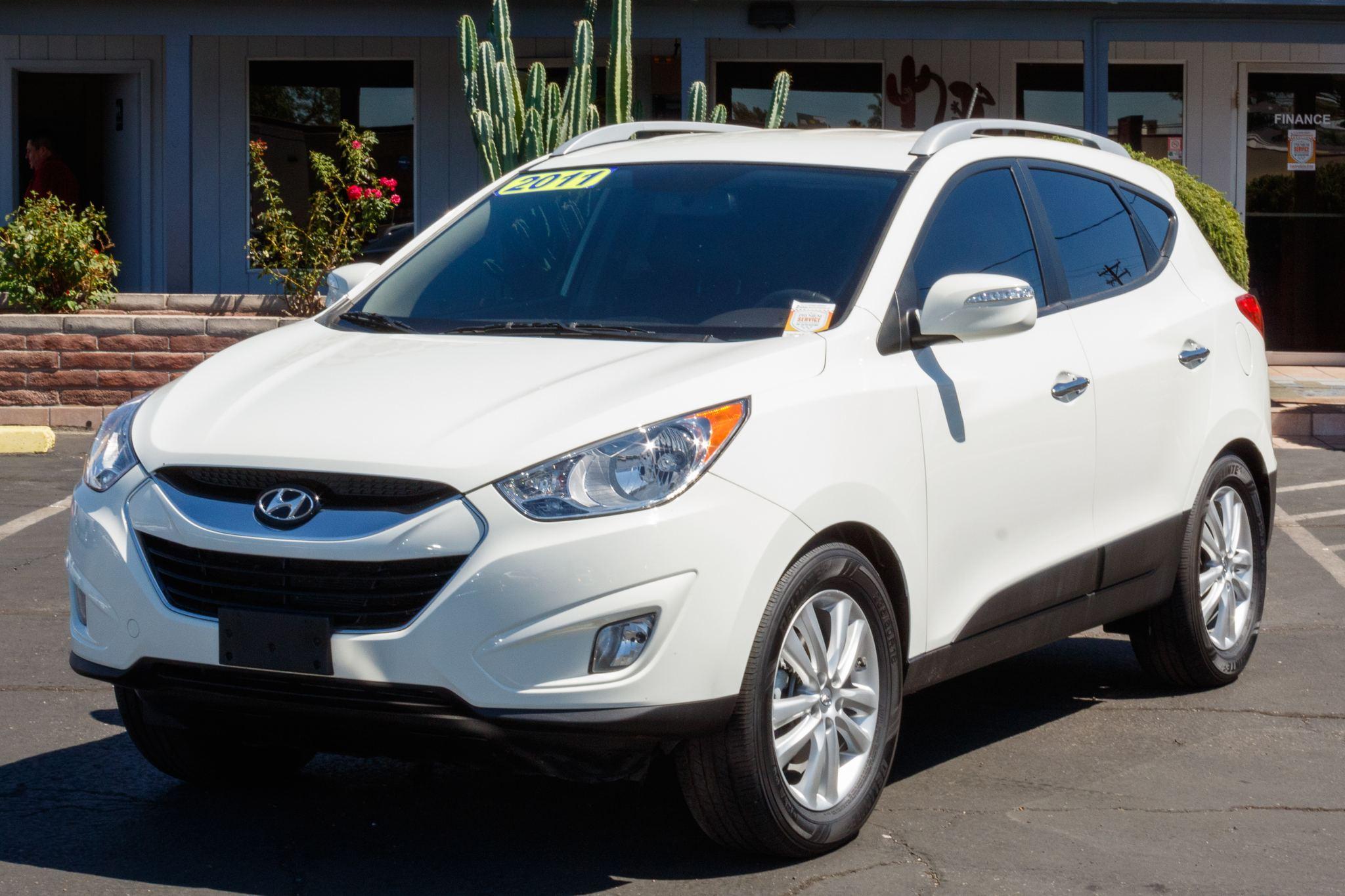 Photo of 2011 Hyundai Tucson 4d SUV AWD Limited