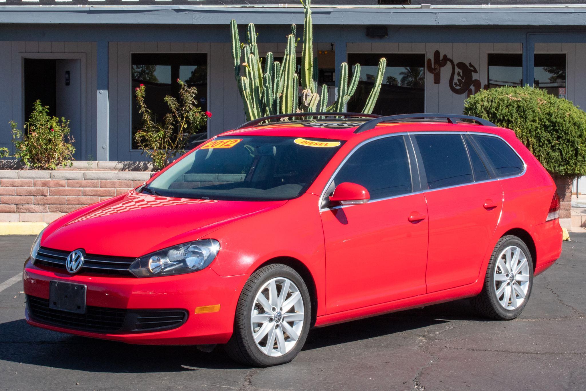 Photo of 2012 Volkswagen Jetta SportWagen TDI 4d Wagon Sunroof/Navigation Auto