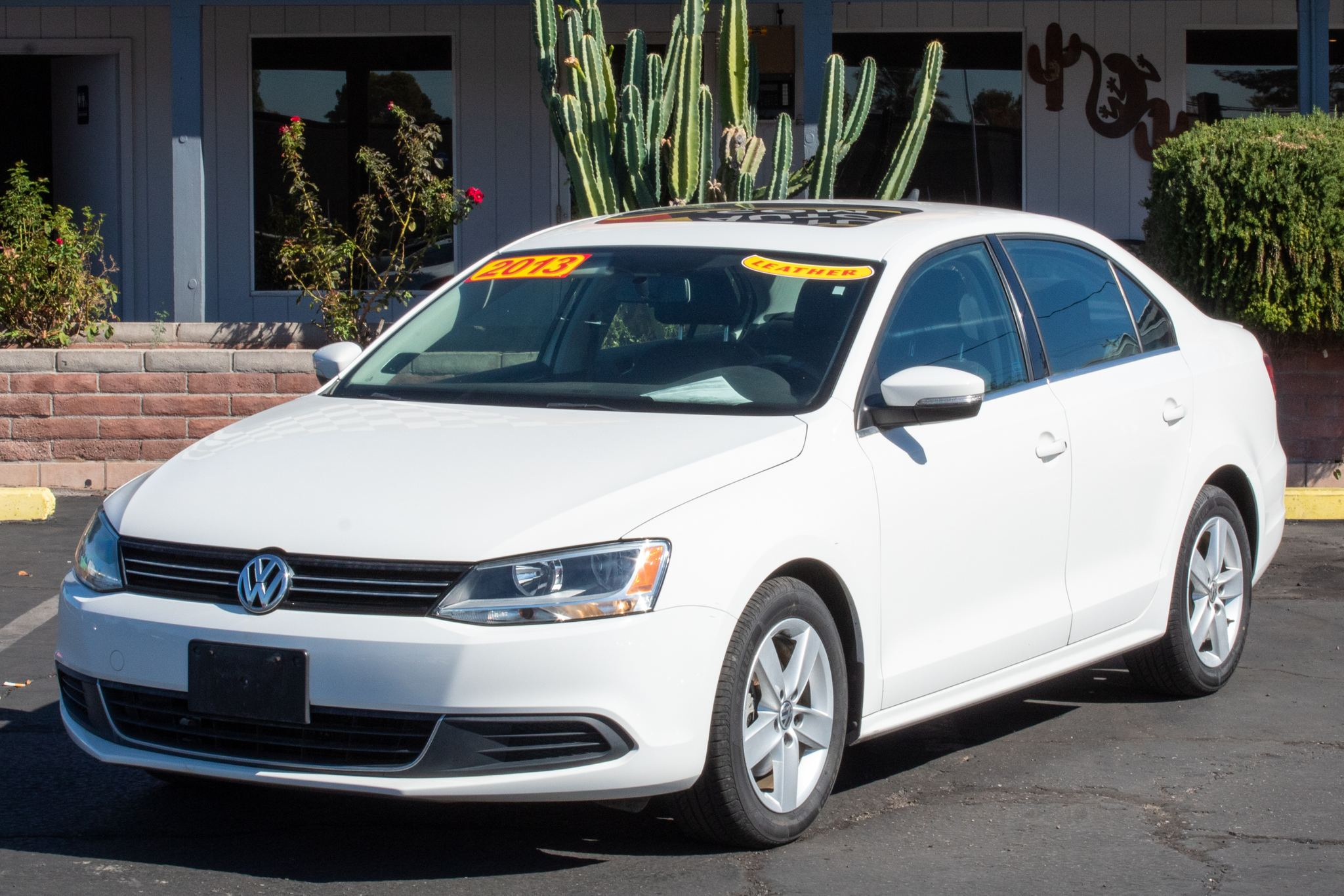 Photo of 2013 Volkswagen Jetta TDI 4d Sedan Premium Auto