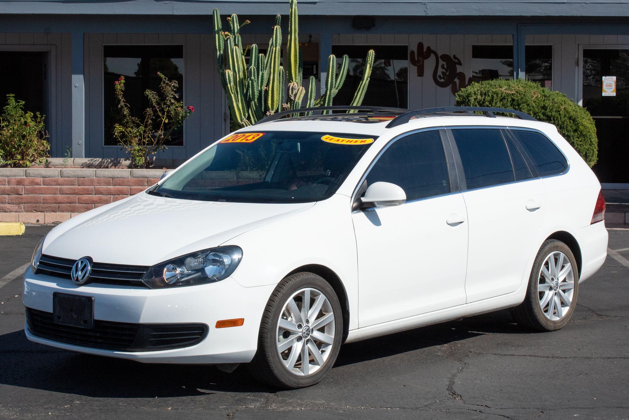 Photo of 2013 Volkswagen Jetta SportWagen TDI 4d Wagon Sunroof/Navigation Auto