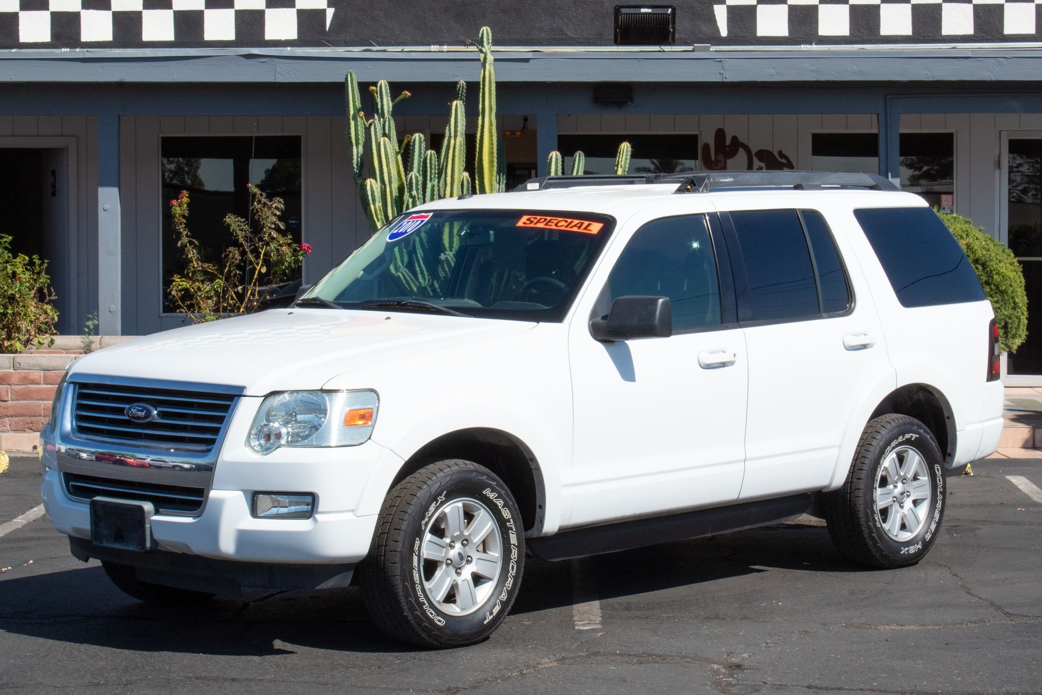 Photo of 2010 Ford Explorer 4d SUV 2WD XLT