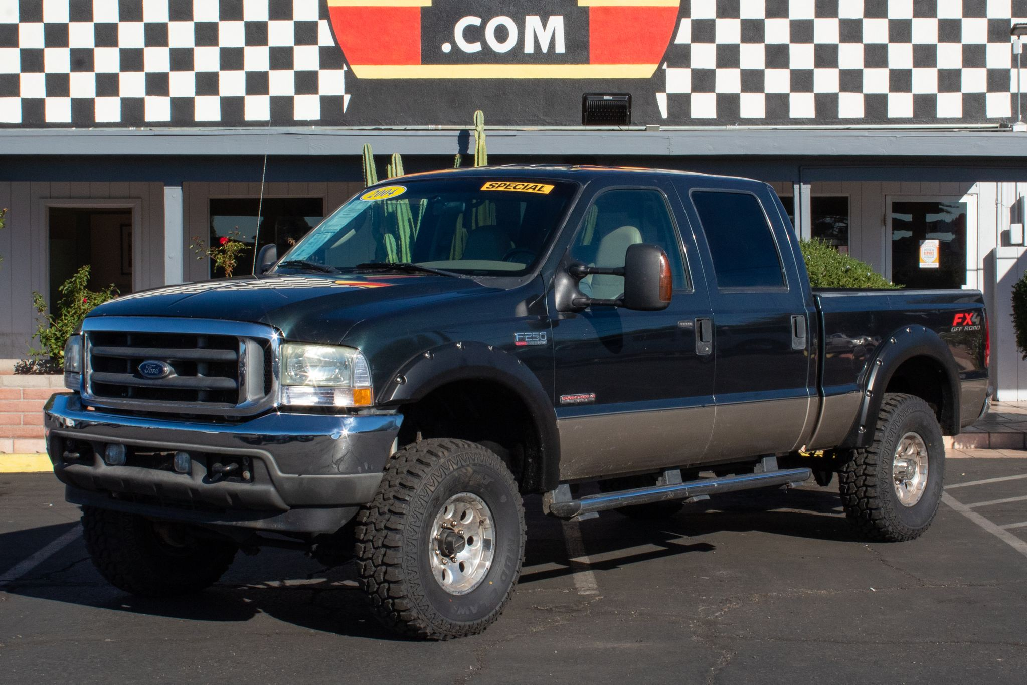 Photo of 2004 Ford F250 4WD Crew Cab Lariat