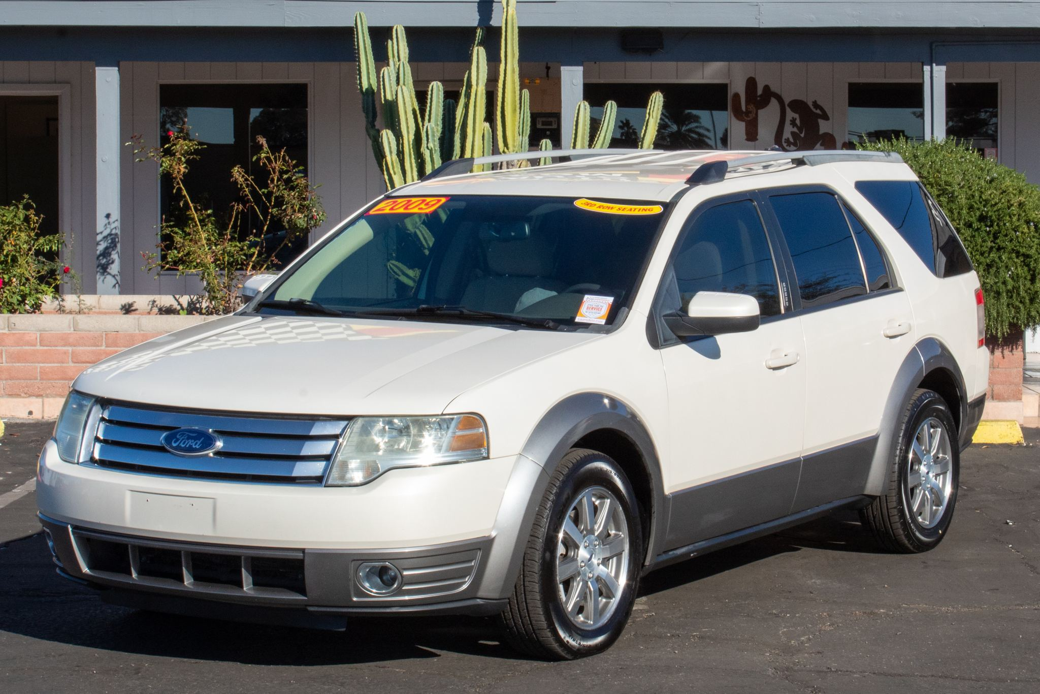 Photo of 2009 Ford Taurus X 4d SUV FWD SEL