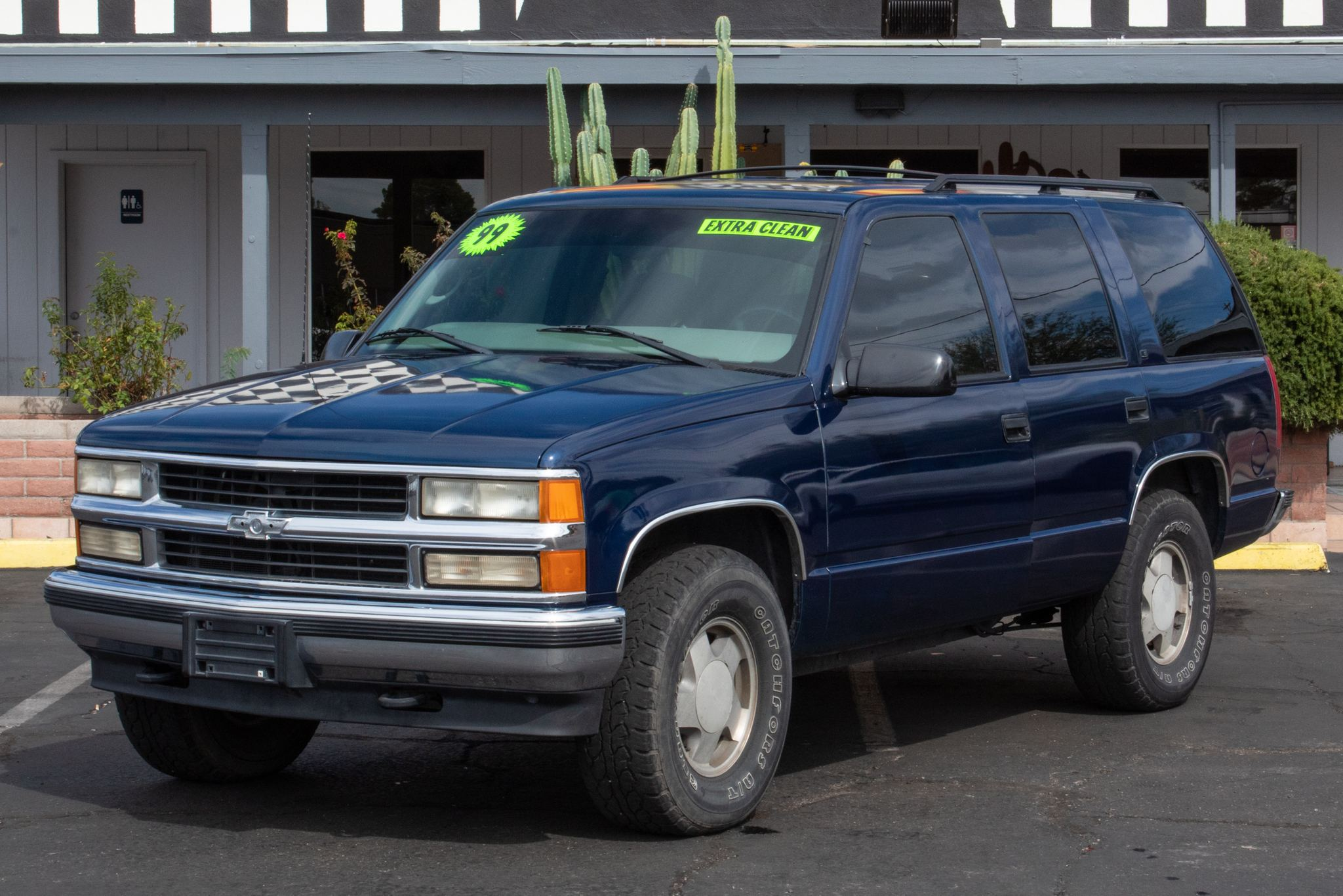 Photo of 1999 Chevrolet Tahoe 4d SUV 4WD LS