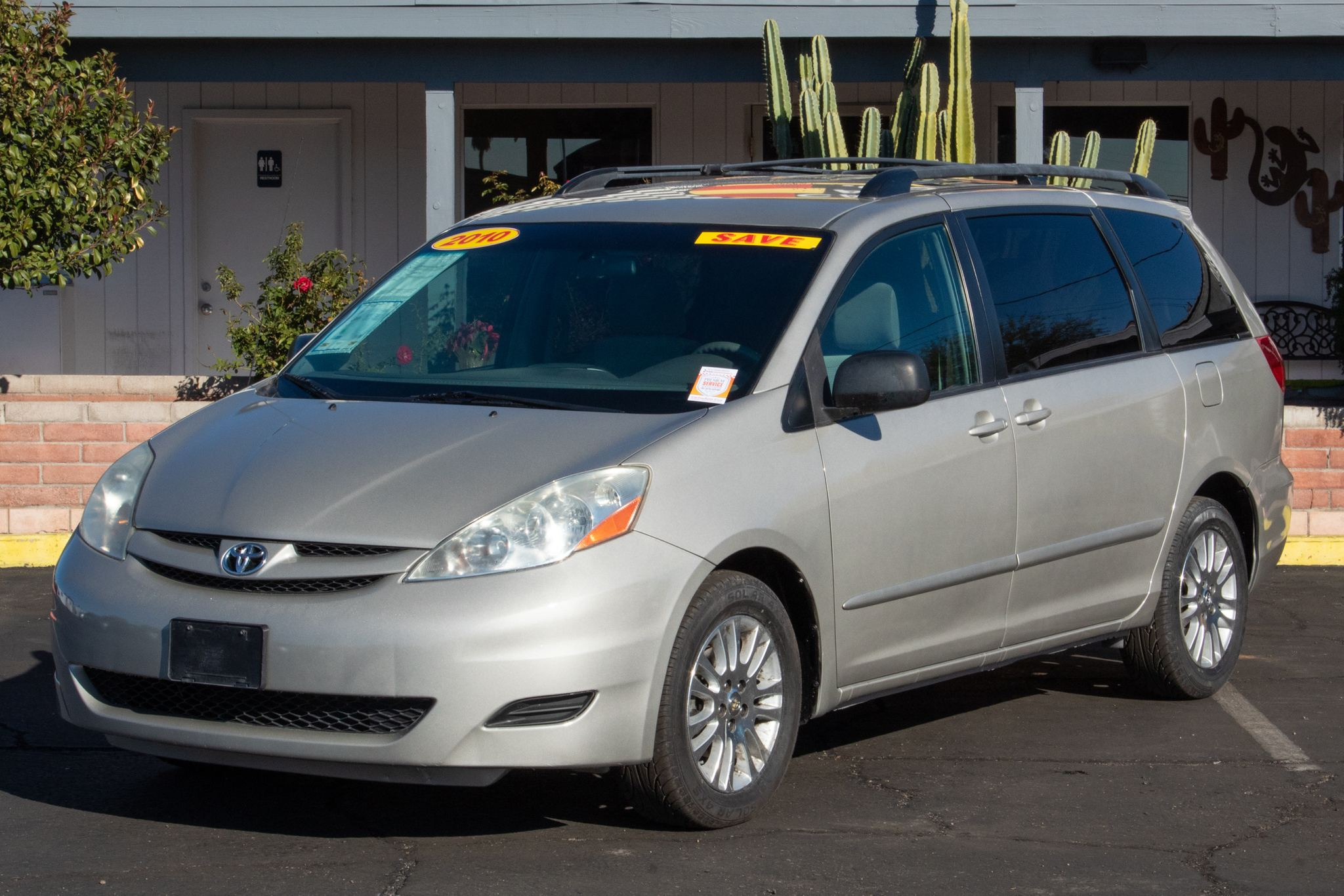 Photo of 2010 Toyota Sienna 4d Wagon CE 7-Passenger