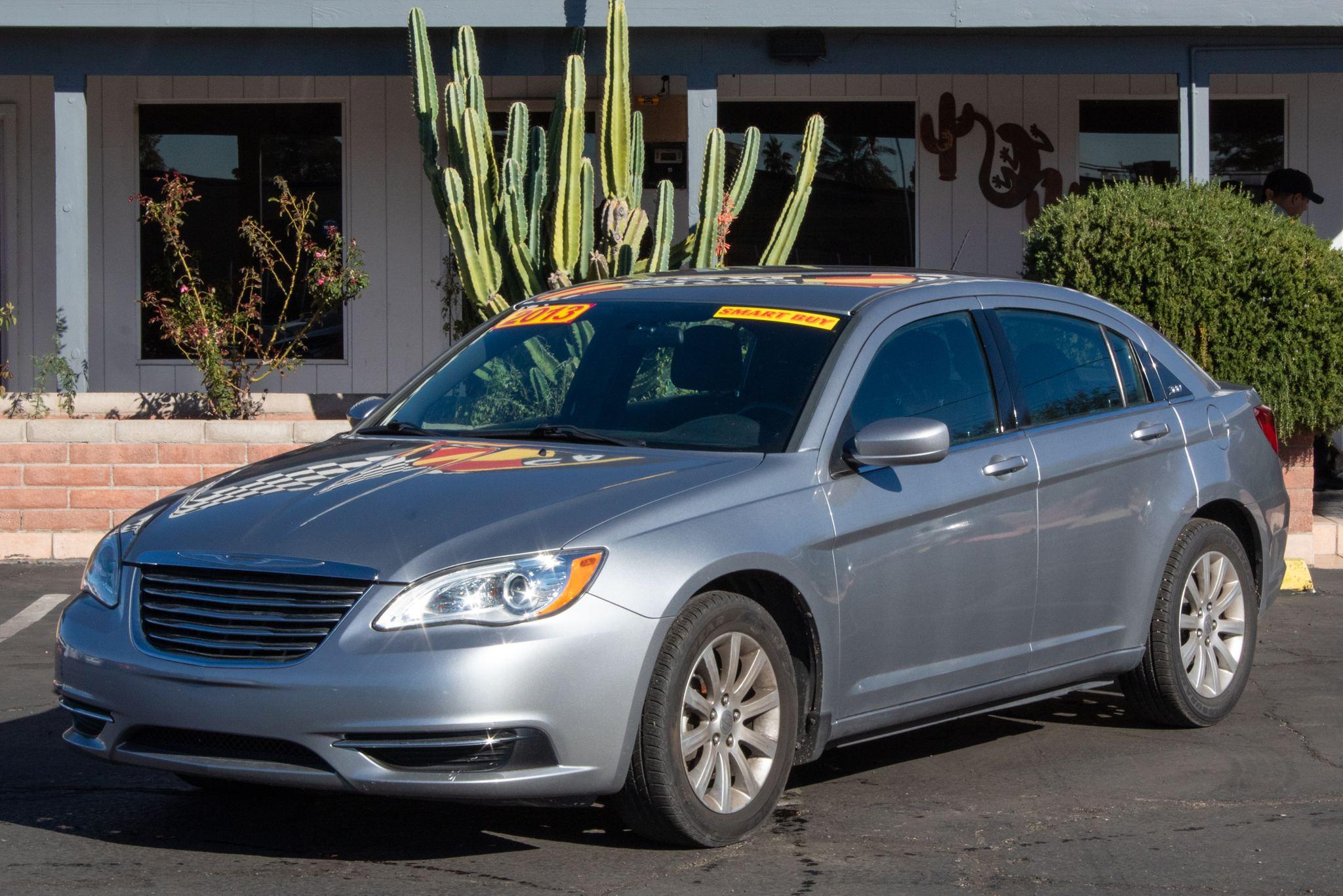 Photo of 2013 Chrysler 200 4d Sedan Touring