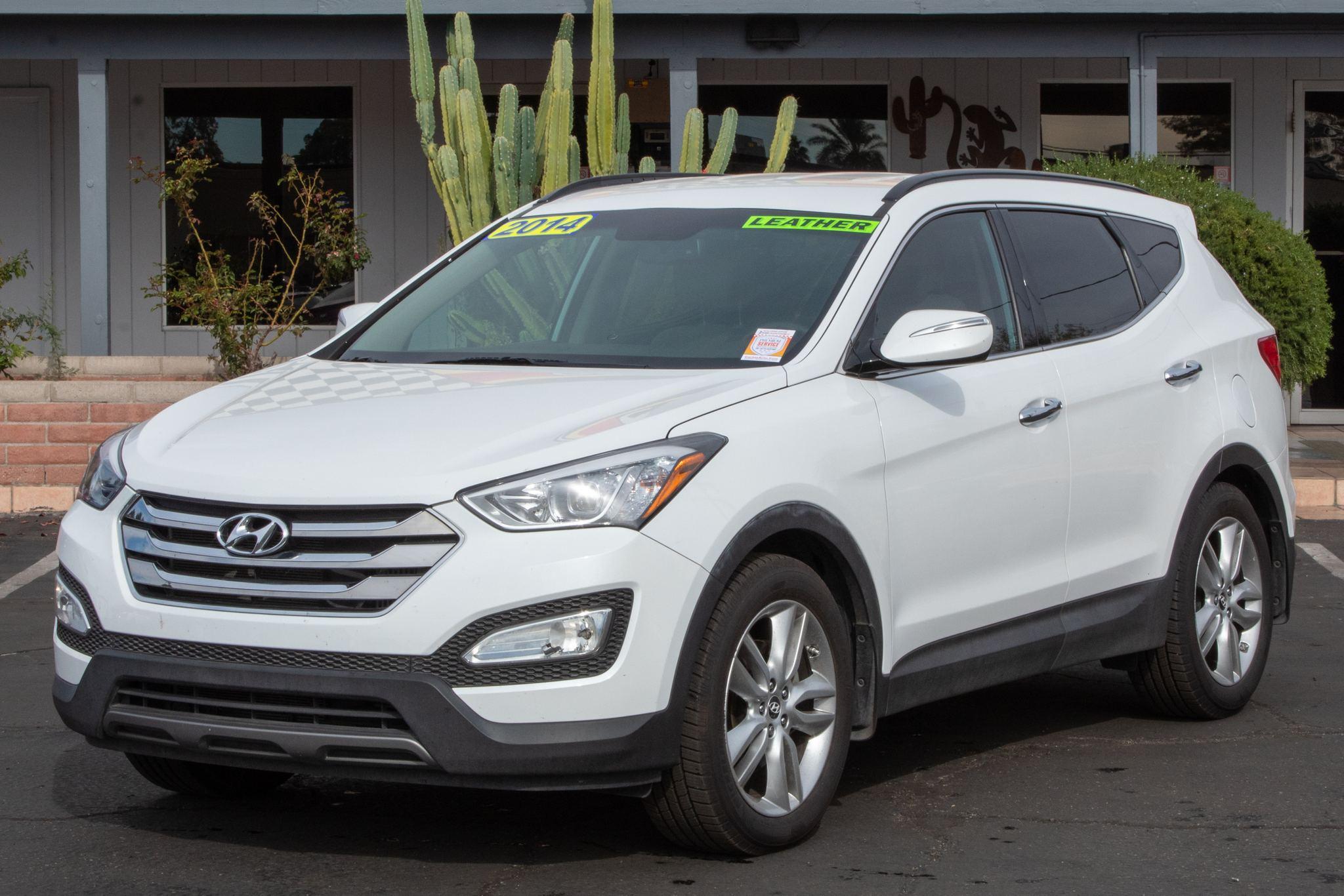 Photo of 2014 Hyundai Santa Fe Sport 4d SUV FWD 2.0T