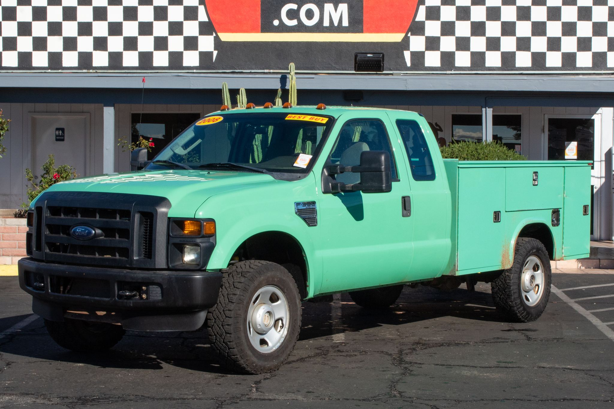 Photo of 2008 Ford F350 Cab-Chassis 4WD Supercab SRW