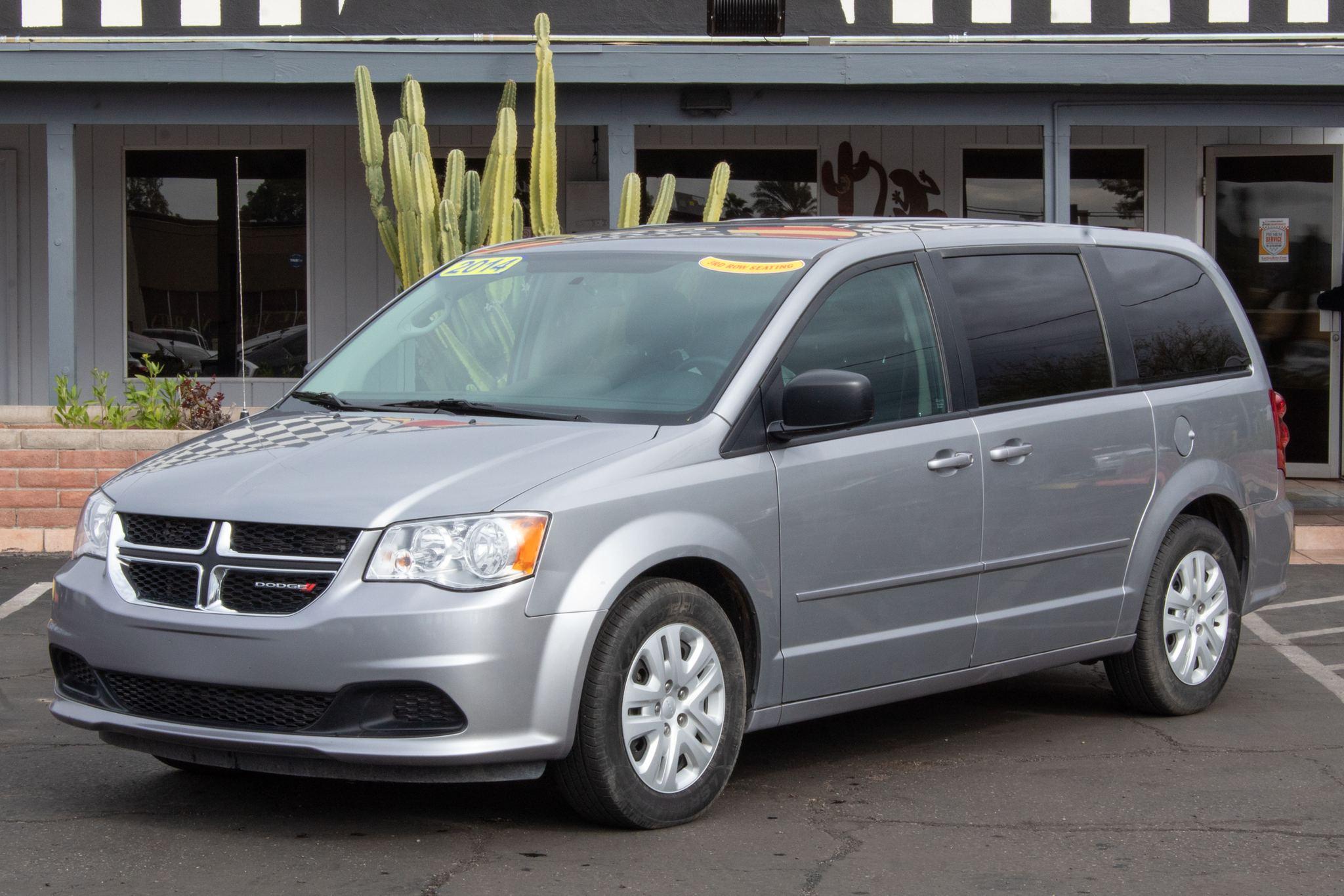 Photo of 2014 Dodge Grand Caravan 4d Wagon SE