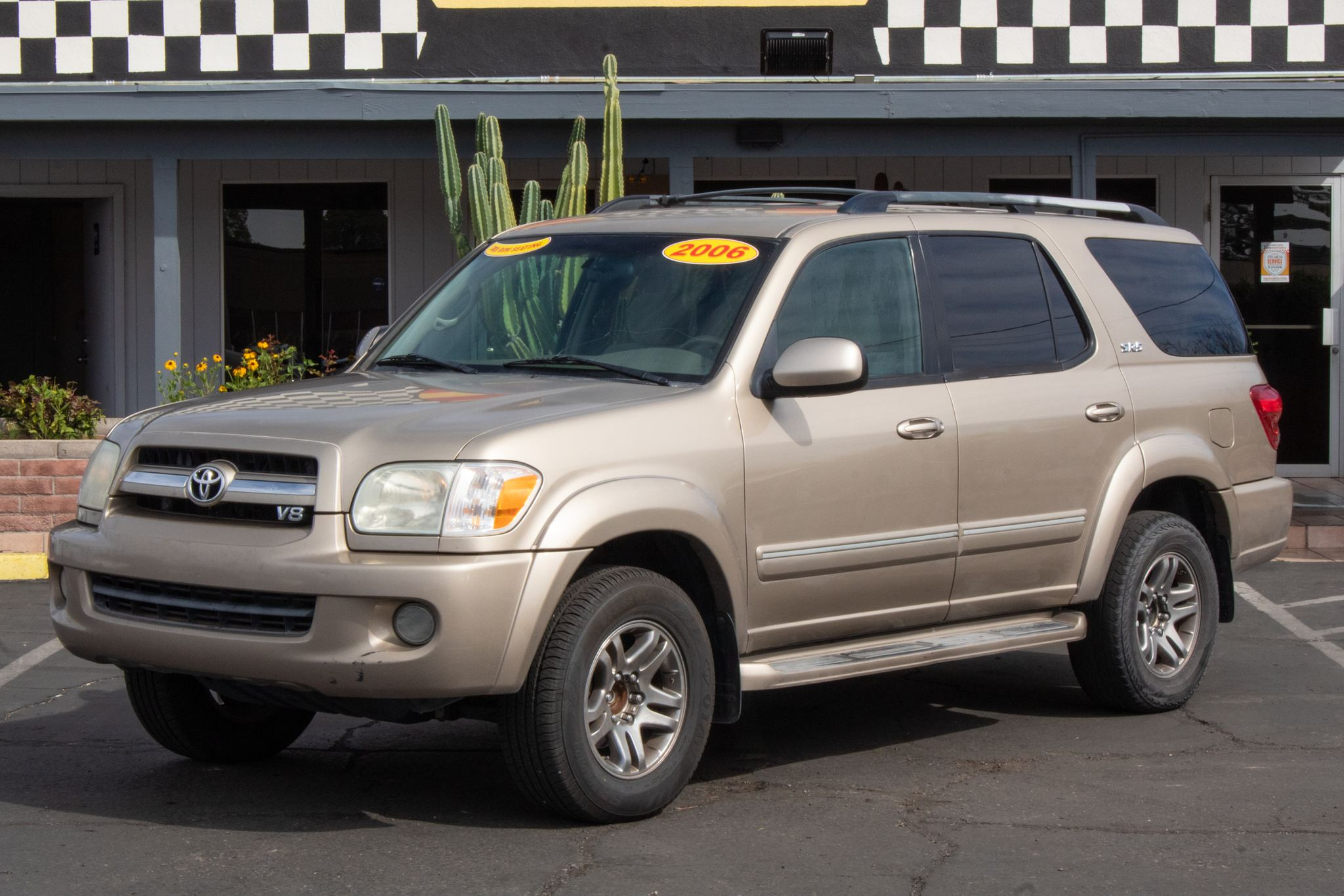 Photo of 2006 Toyota Sequoia 4d SUV RWD SR5