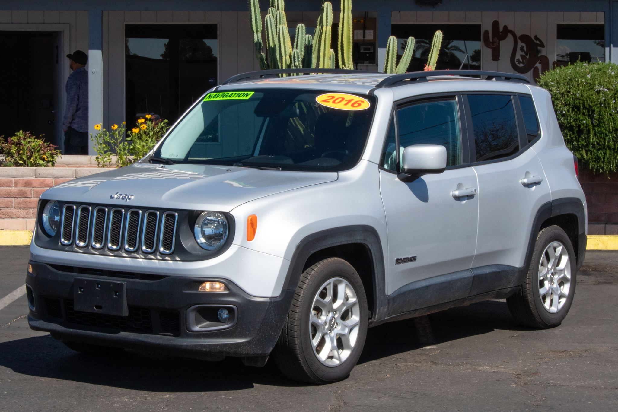 Photo of 2016 Jeep Renegade 4d SUV FWD Latitude