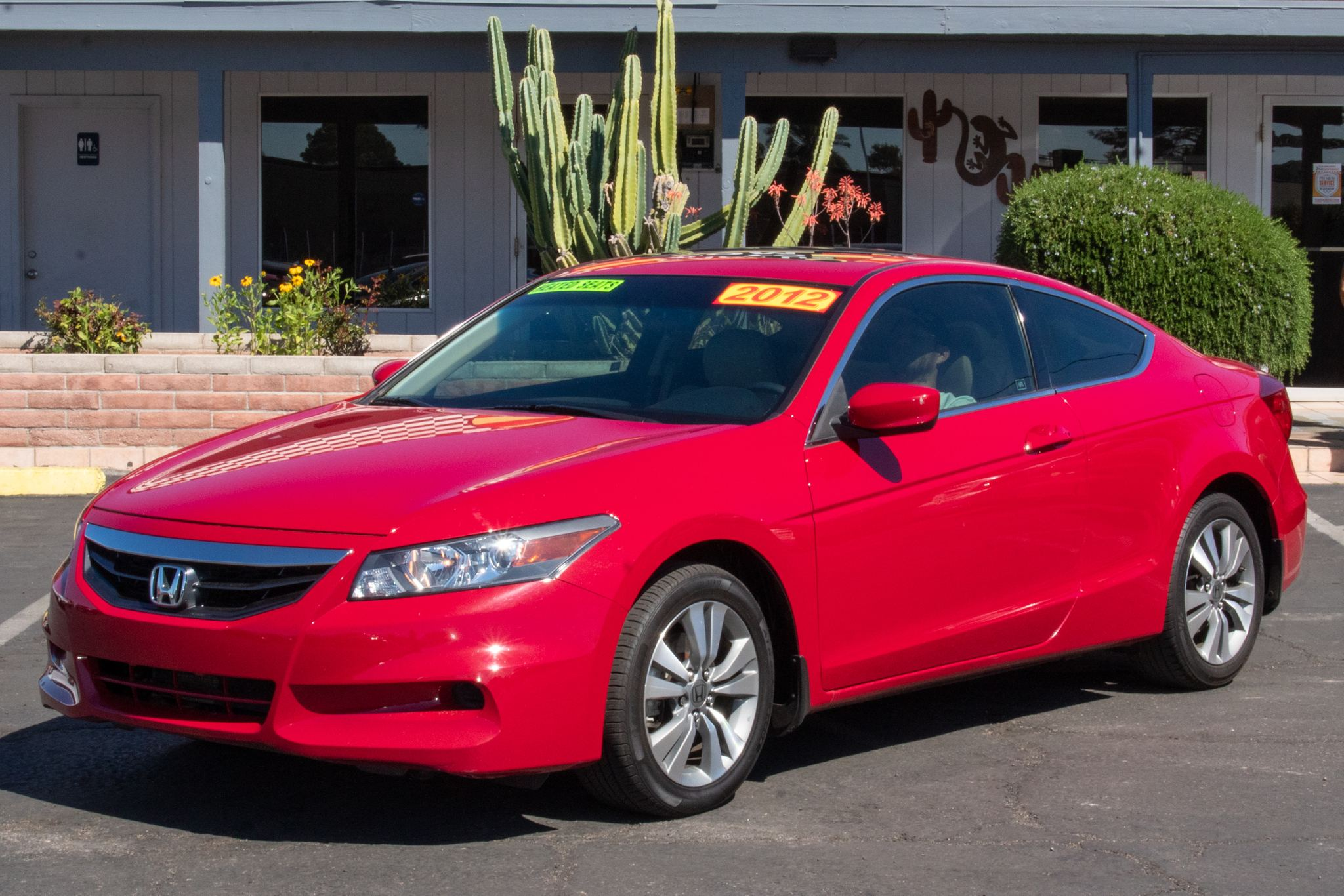 Photo of 2012 Honda Accord Coupe 2d EX-L