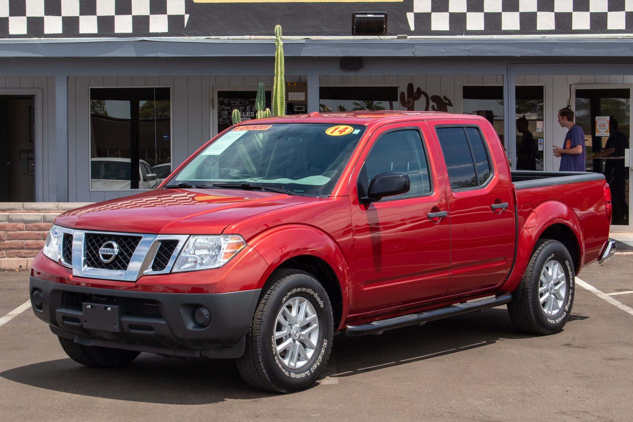 Photo of 2014 Nissan Frontier 2WD Crew Cab SV Auto